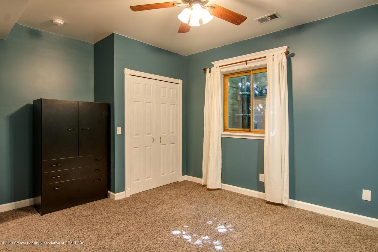 1725 Mt Vernon Ave - Bedroom 3 - 19