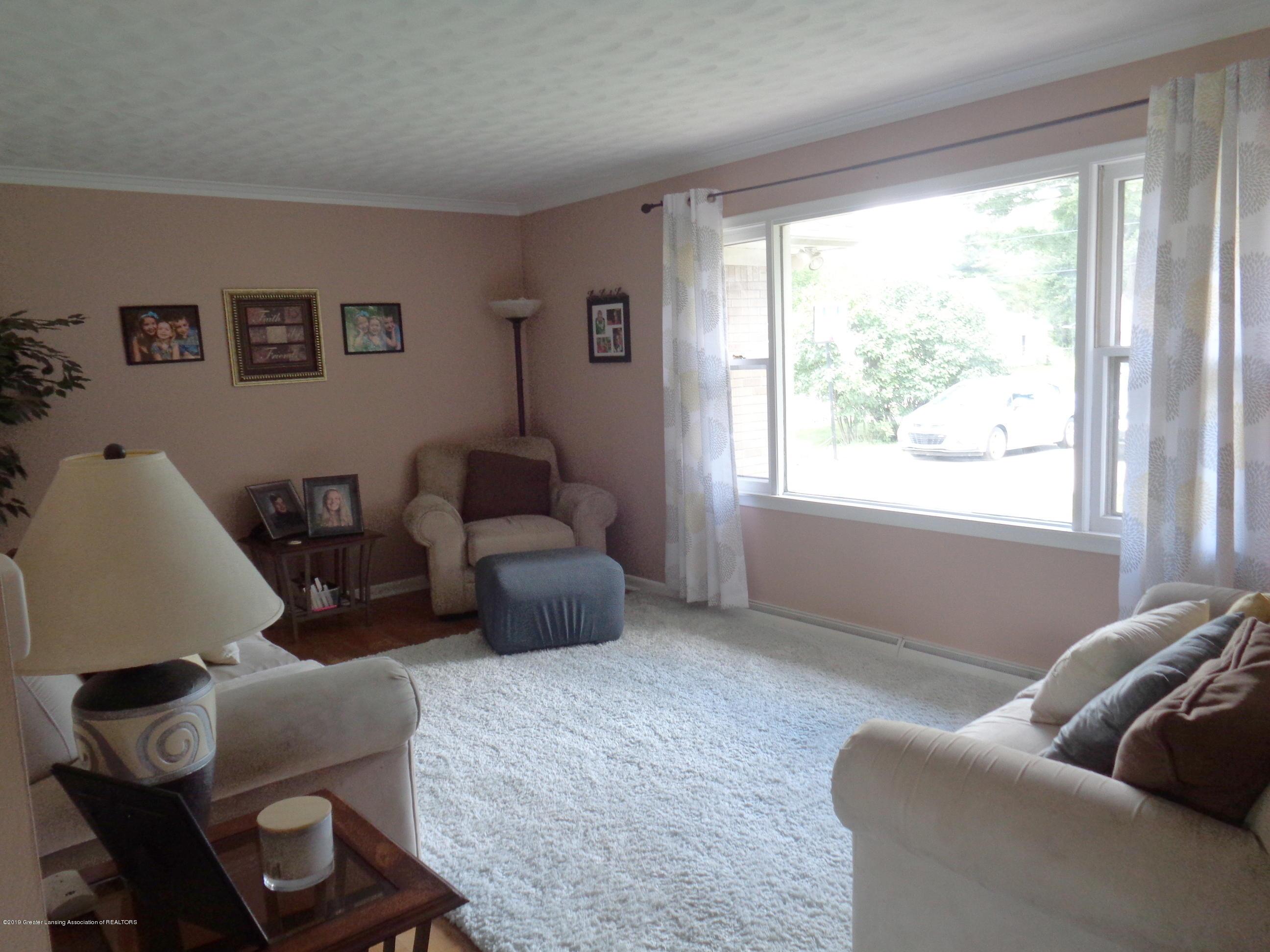 3525 W Kalamazoo St - kalamazoo livingroom - 2