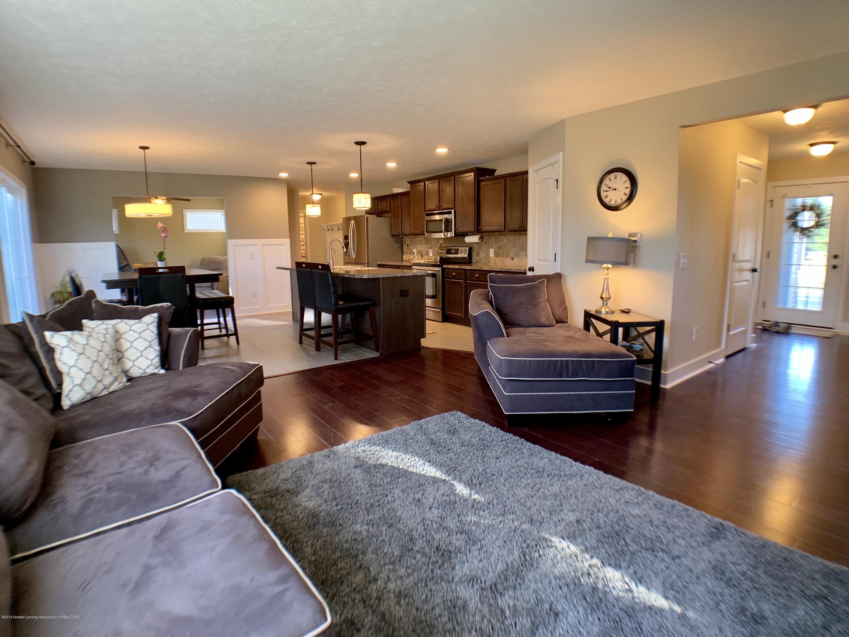 1405 Moose Dr - Living Room - 7