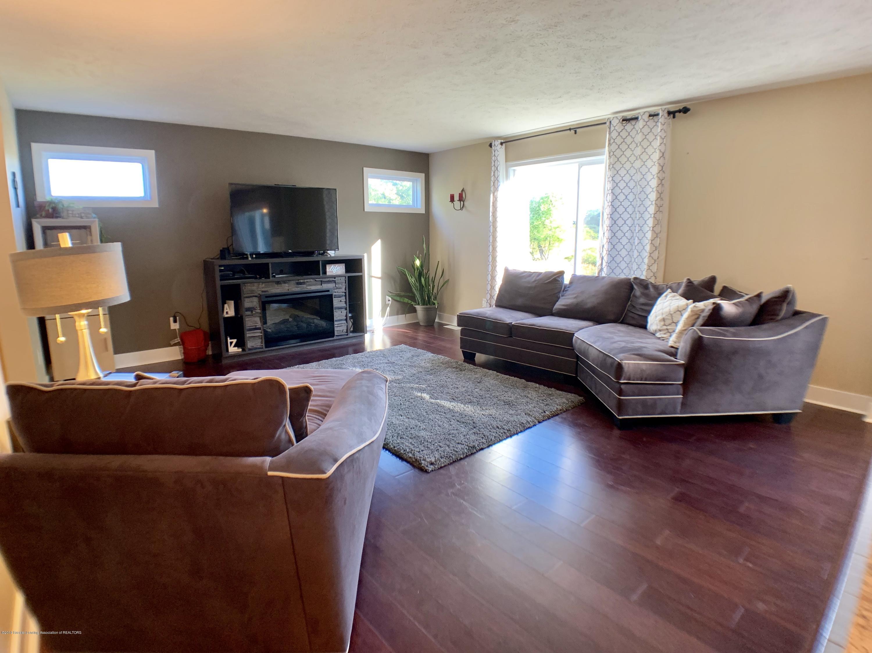 1405 Moose Dr - Living Room - 8