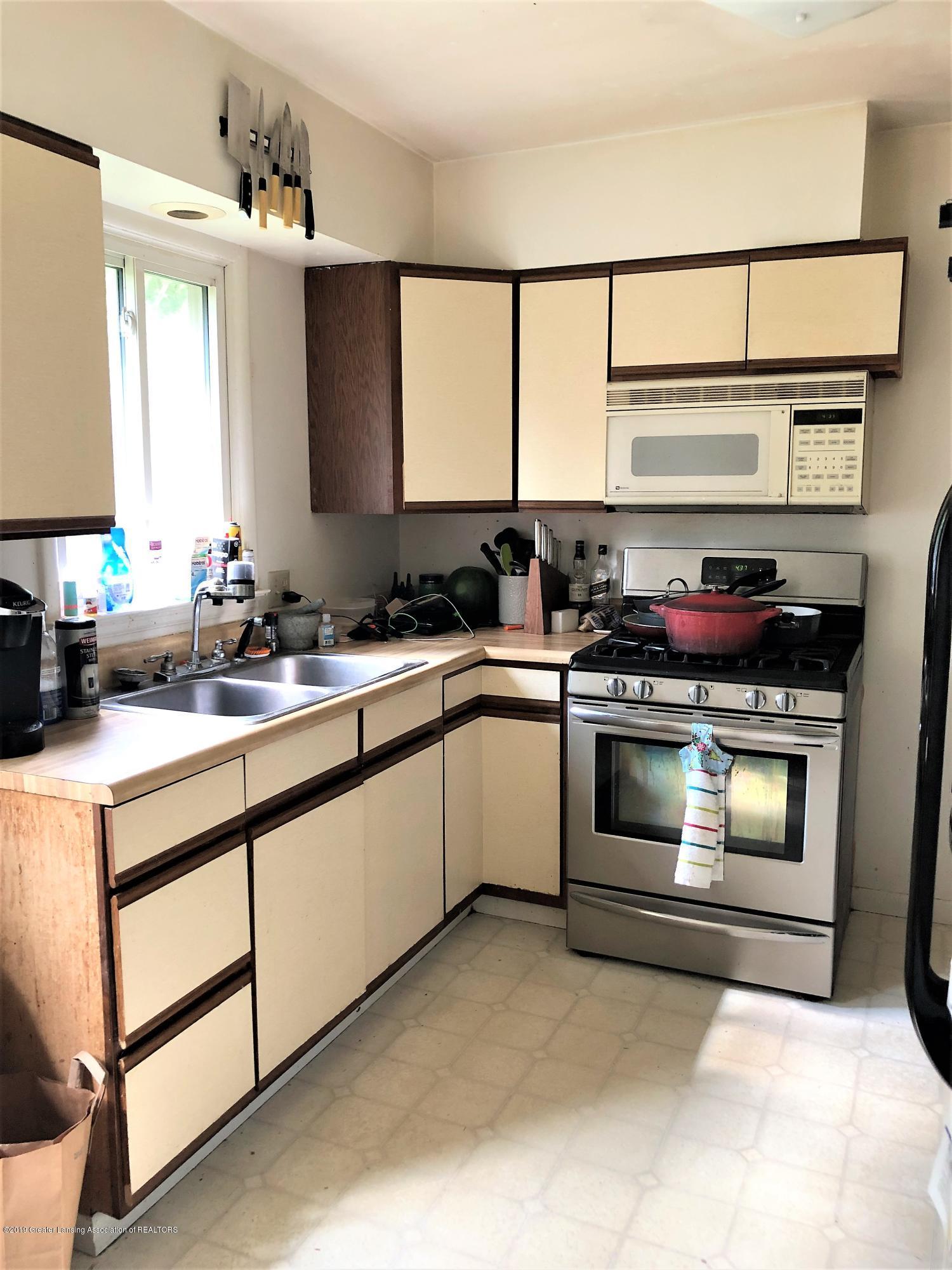 1805 Comfort St - Kitchen - 7