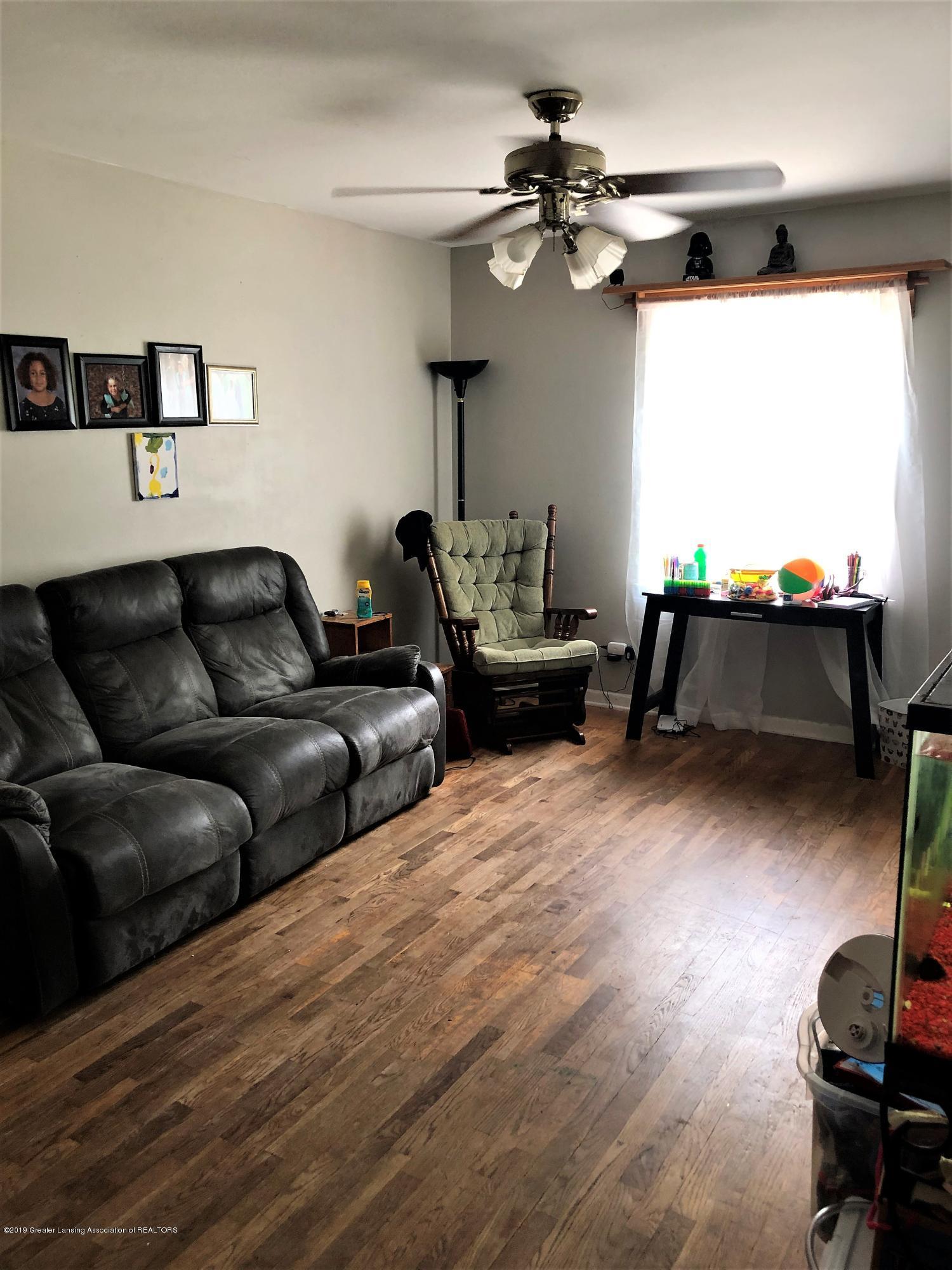 1805 Comfort St - Living room 2 - 8