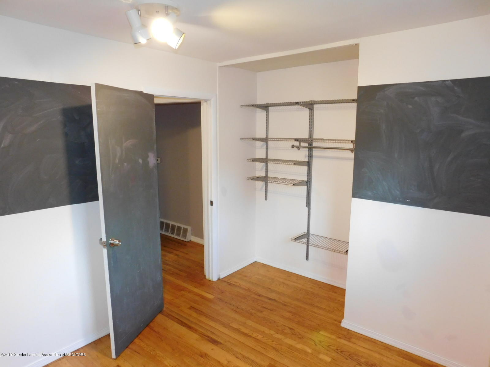 4111 Clayborn Rd - BEDROOM 2 - 16