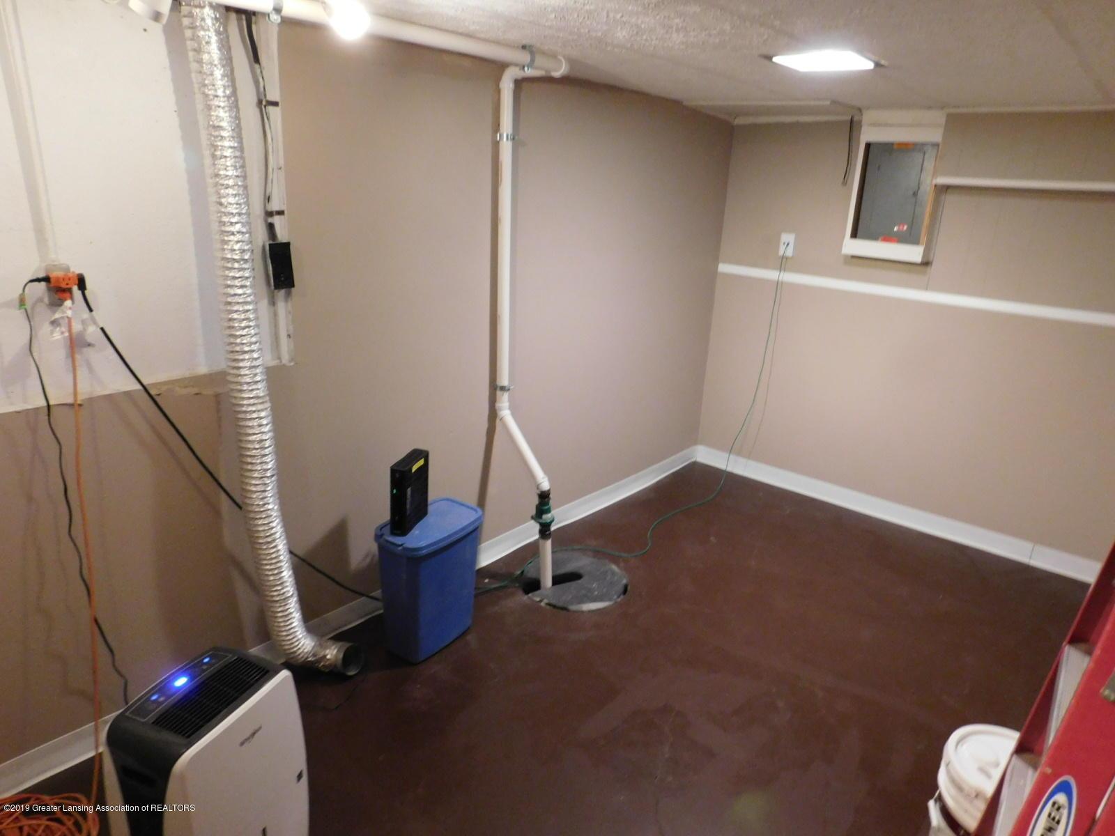 4111 Clayborn Rd - LAUNDRY ROOM - 26