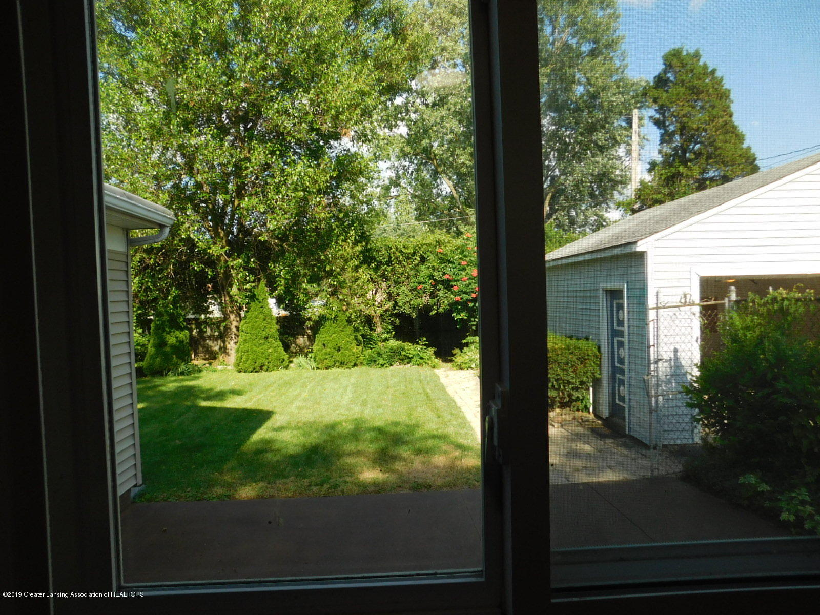 4111 Clayborn Rd - VIEW FROM KITCHEN WINDOW - 12