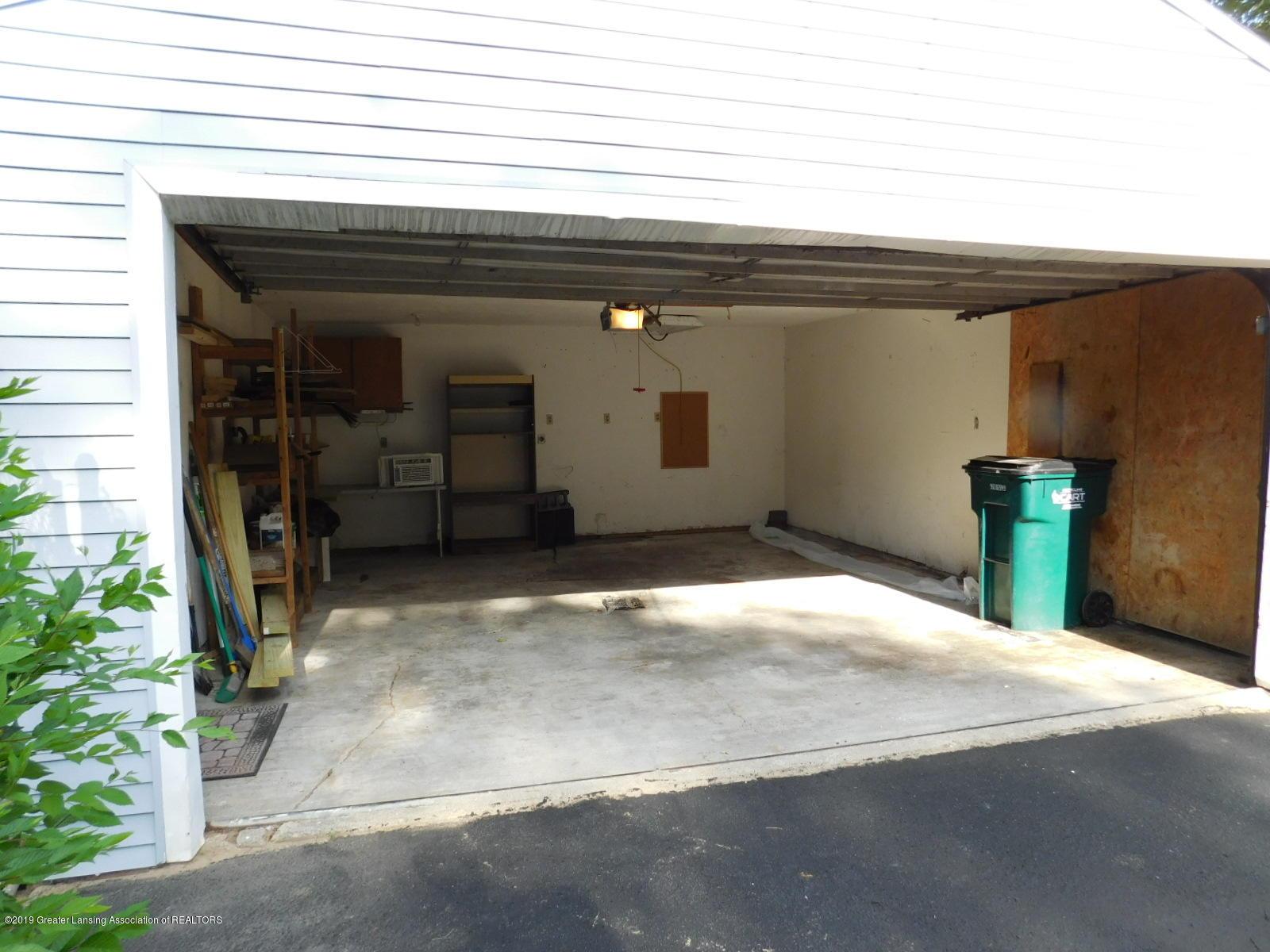 4111 Clayborn Rd - 2+ CAR GARAGE - 42