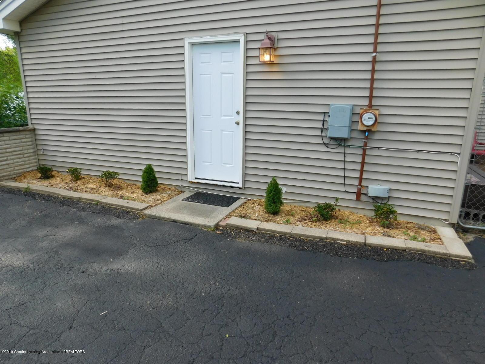 4111 Clayborn Rd - LANDSCAPING - 44