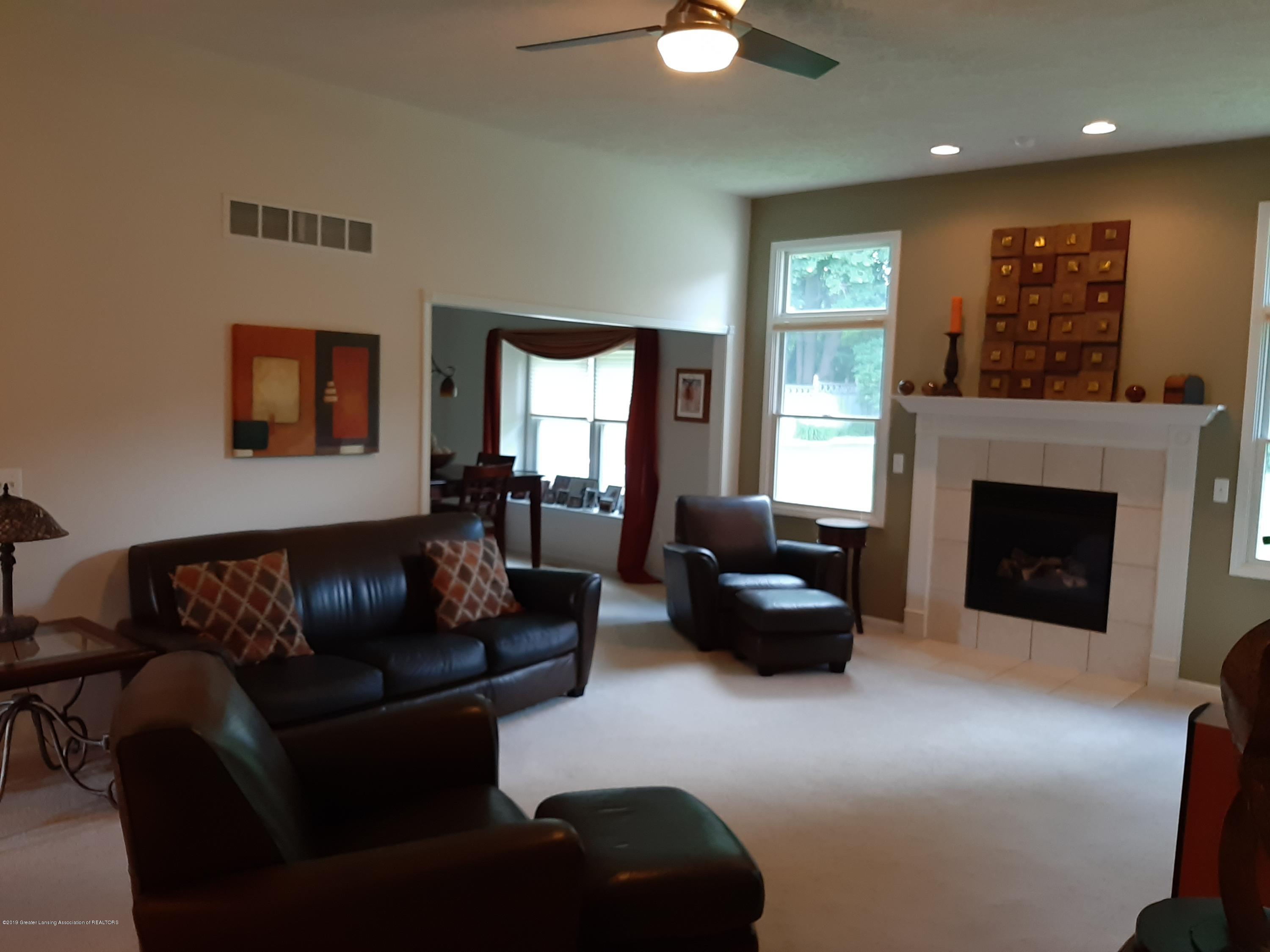 5850 Cartago Dr - great room - 7
