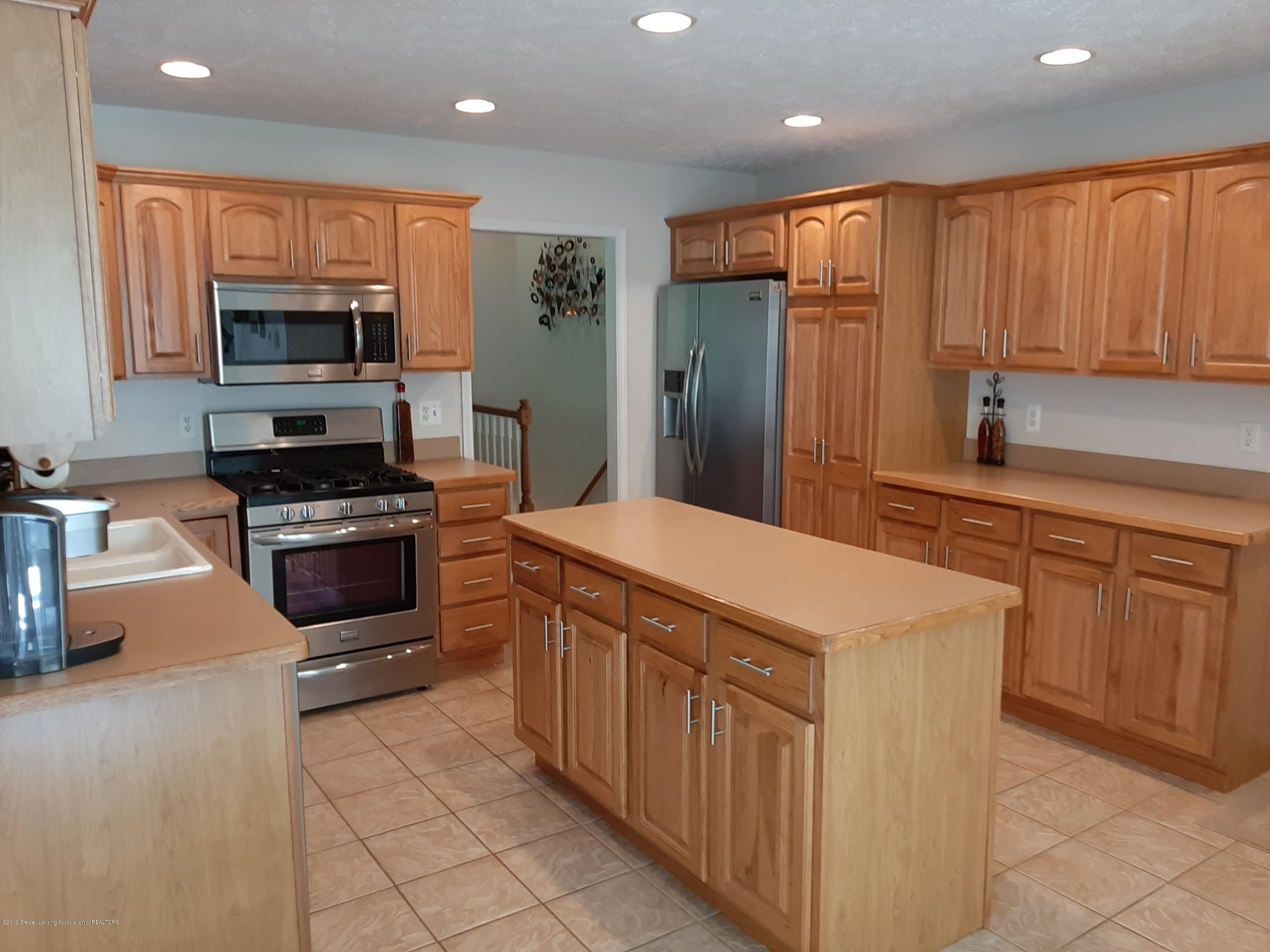 5850 Cartago Dr - kitchen - 3