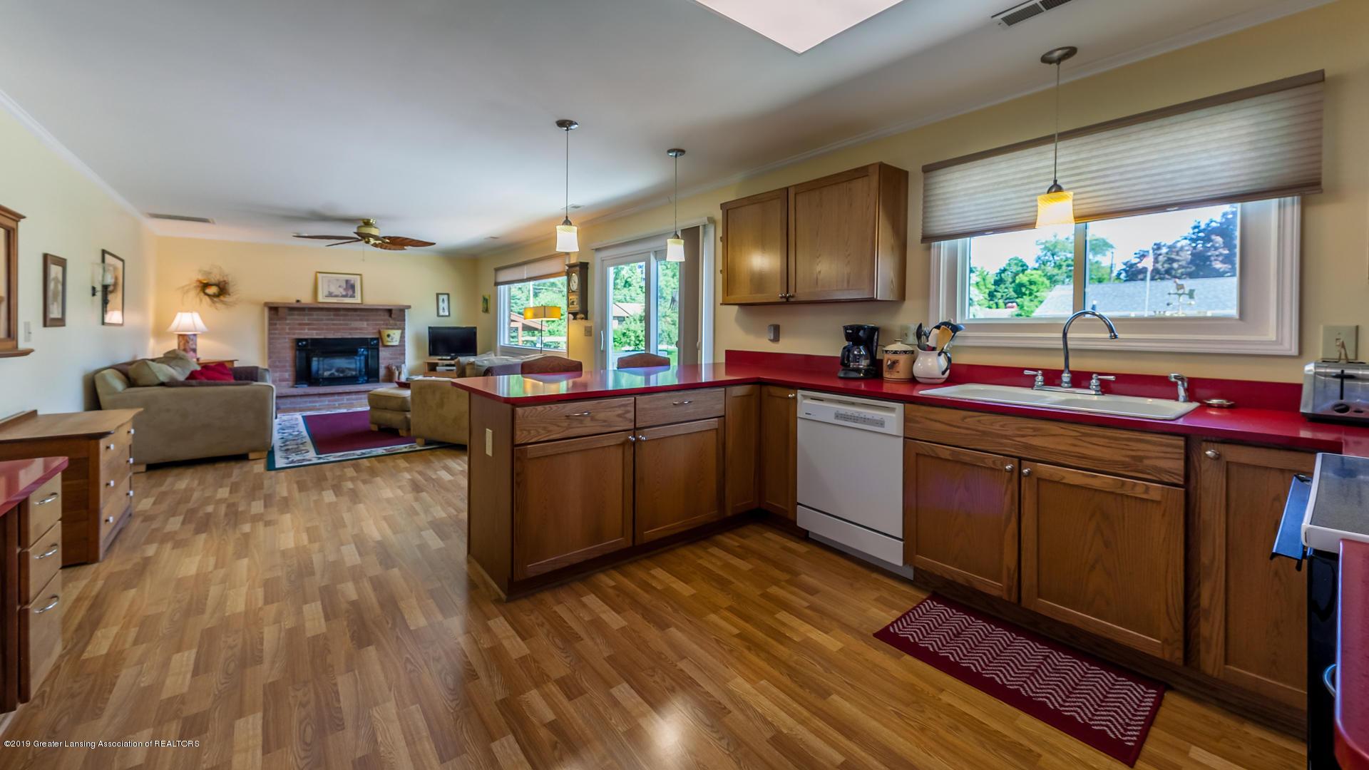 10109 Burgundy Blvd - kitchen to family - 8