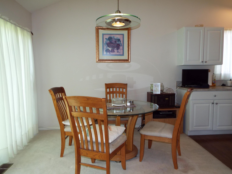 3056 E Lake Lansing Rd - Dining Area - 9