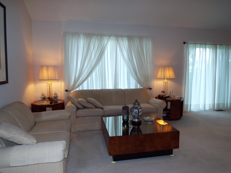 3056 E Lake Lansing Rd - Living Room - 6