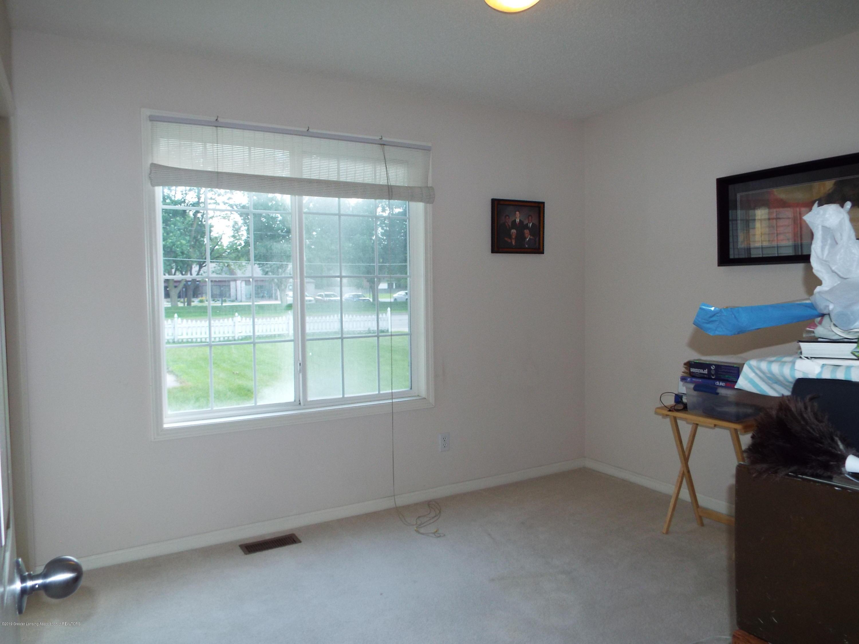 3056 E Lake Lansing Rd - Bedroom 1 - 13