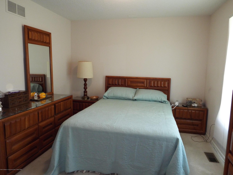 3056 E Lake Lansing Rd - Master Bedroom - 17