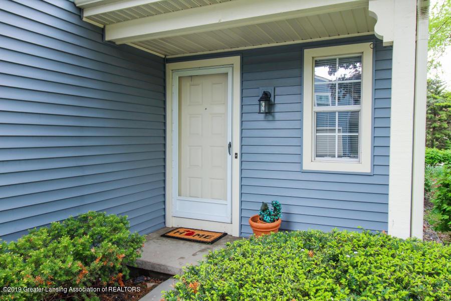 1700 Whitegate Ln - Front door - 2