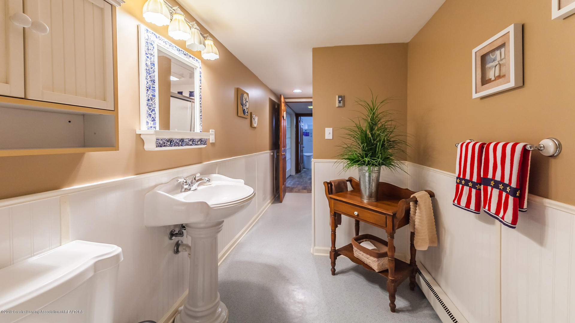 10109 Burgundy Blvd - lower level bath - 18