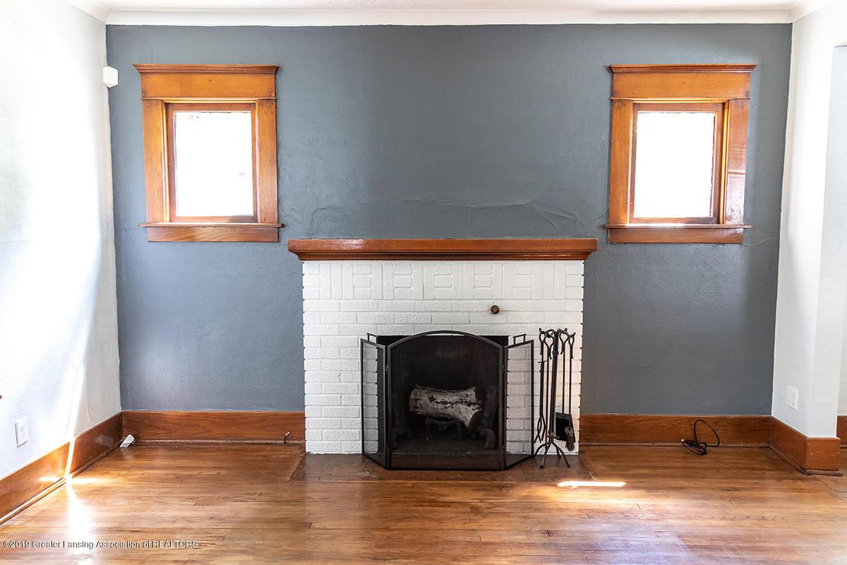 1318 Eureka St - fireplace - 6