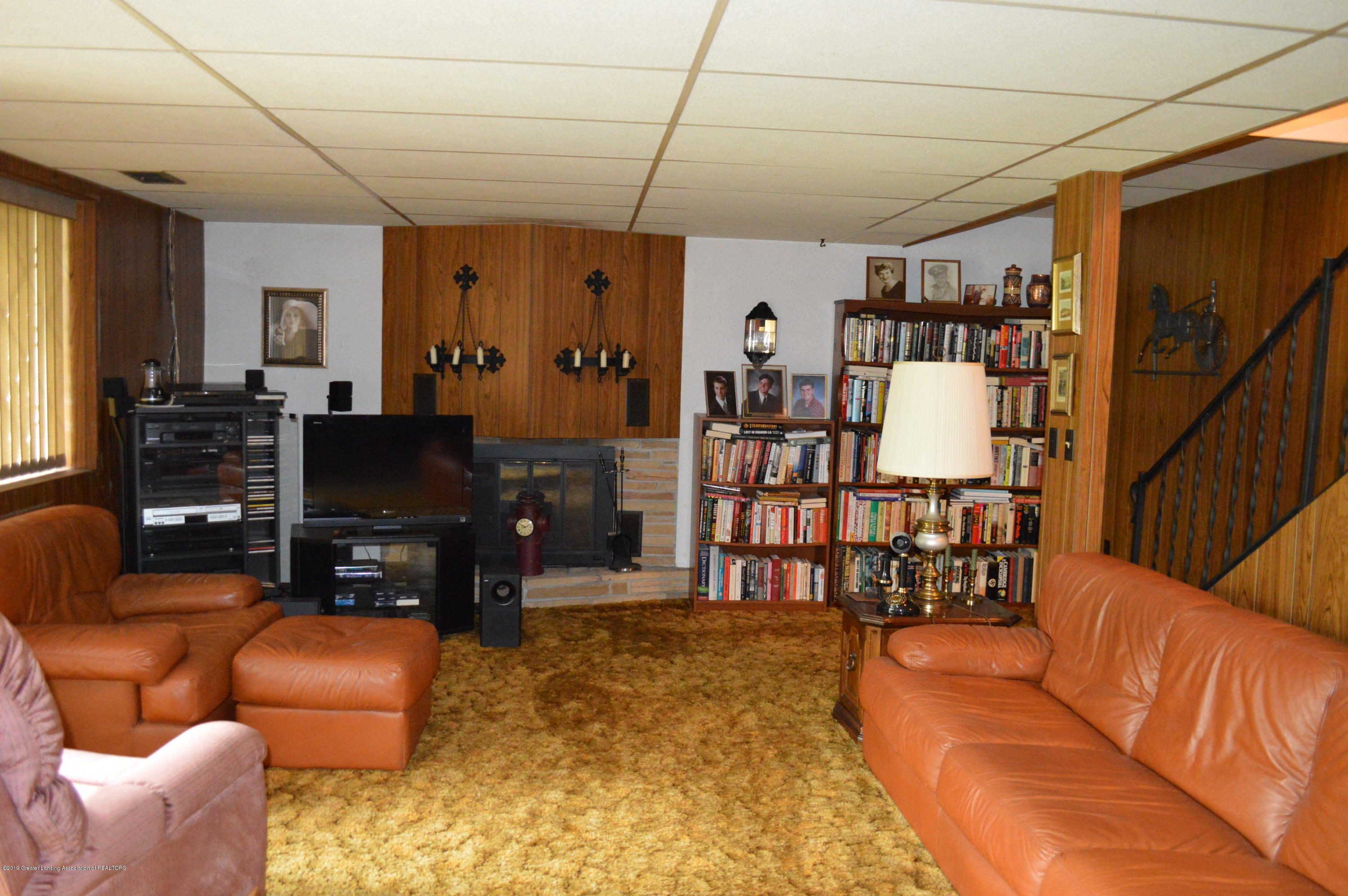 9320 Looking Glass Brook Dr - FAMILY ROOM - 15
