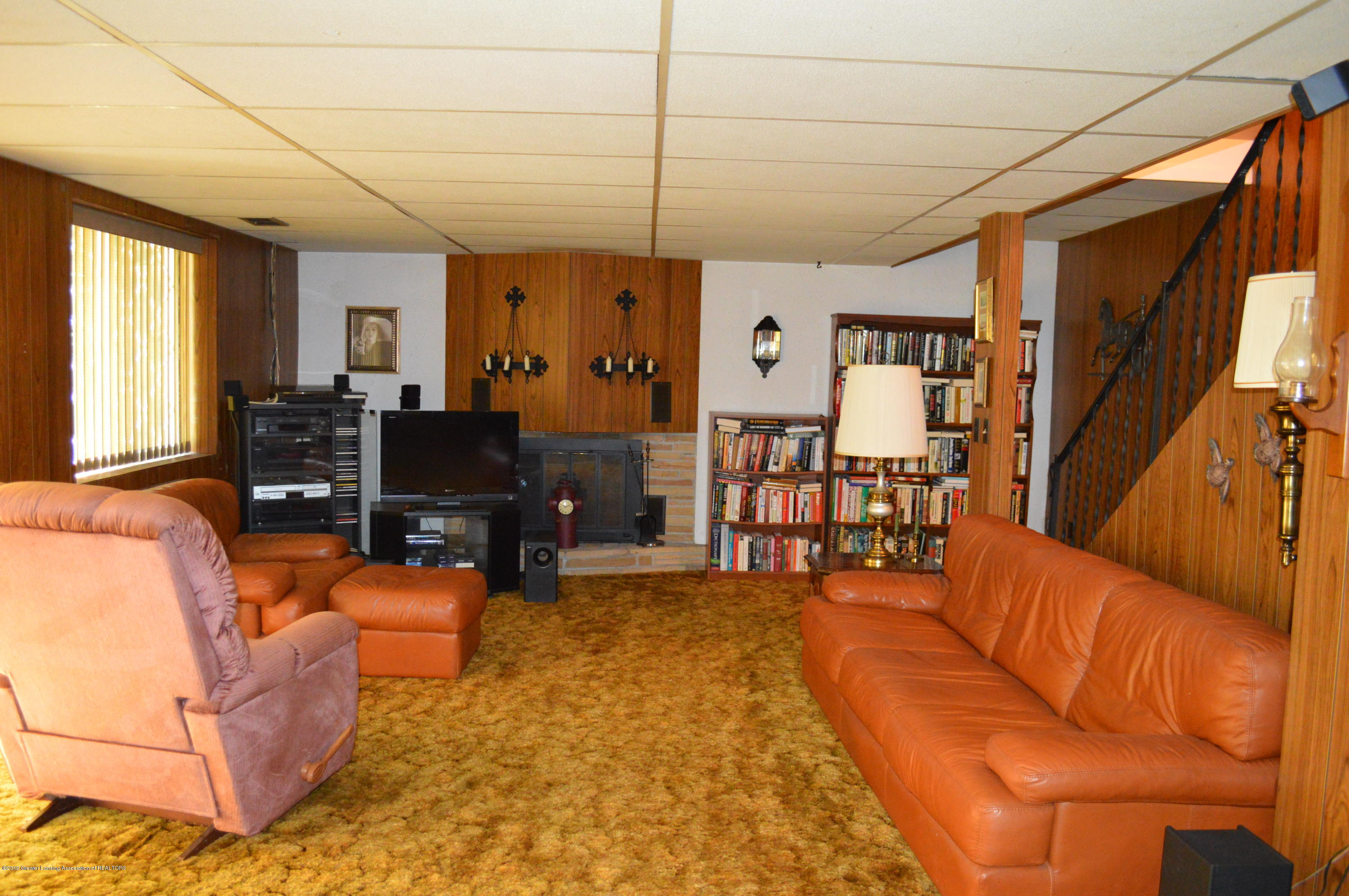 9320 Looking Glass Brook Dr - FAMILY ROOM - 13
