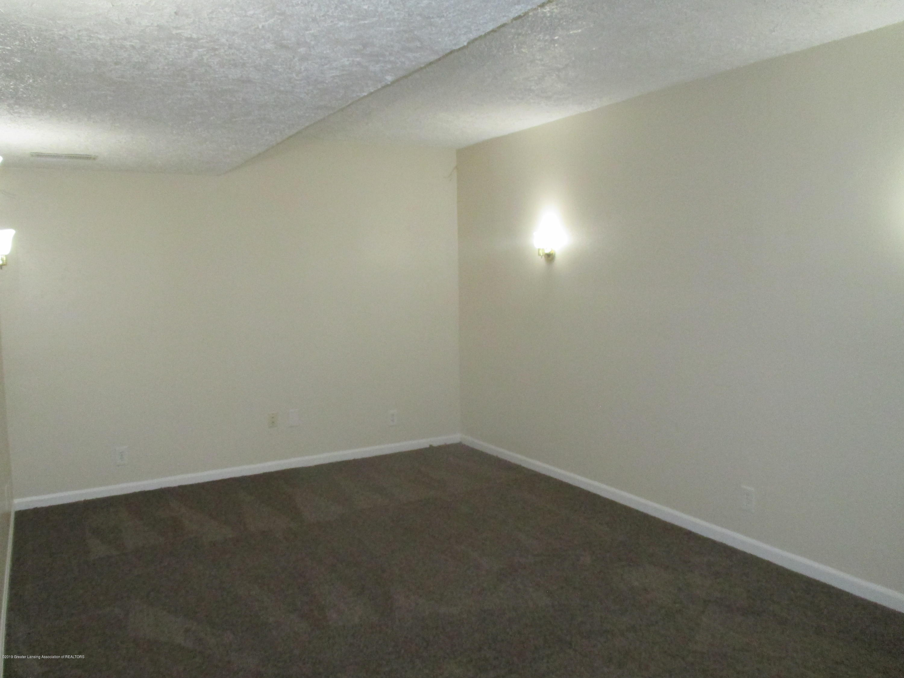 9226 Highland View Dr - IMG_6408 - 18
