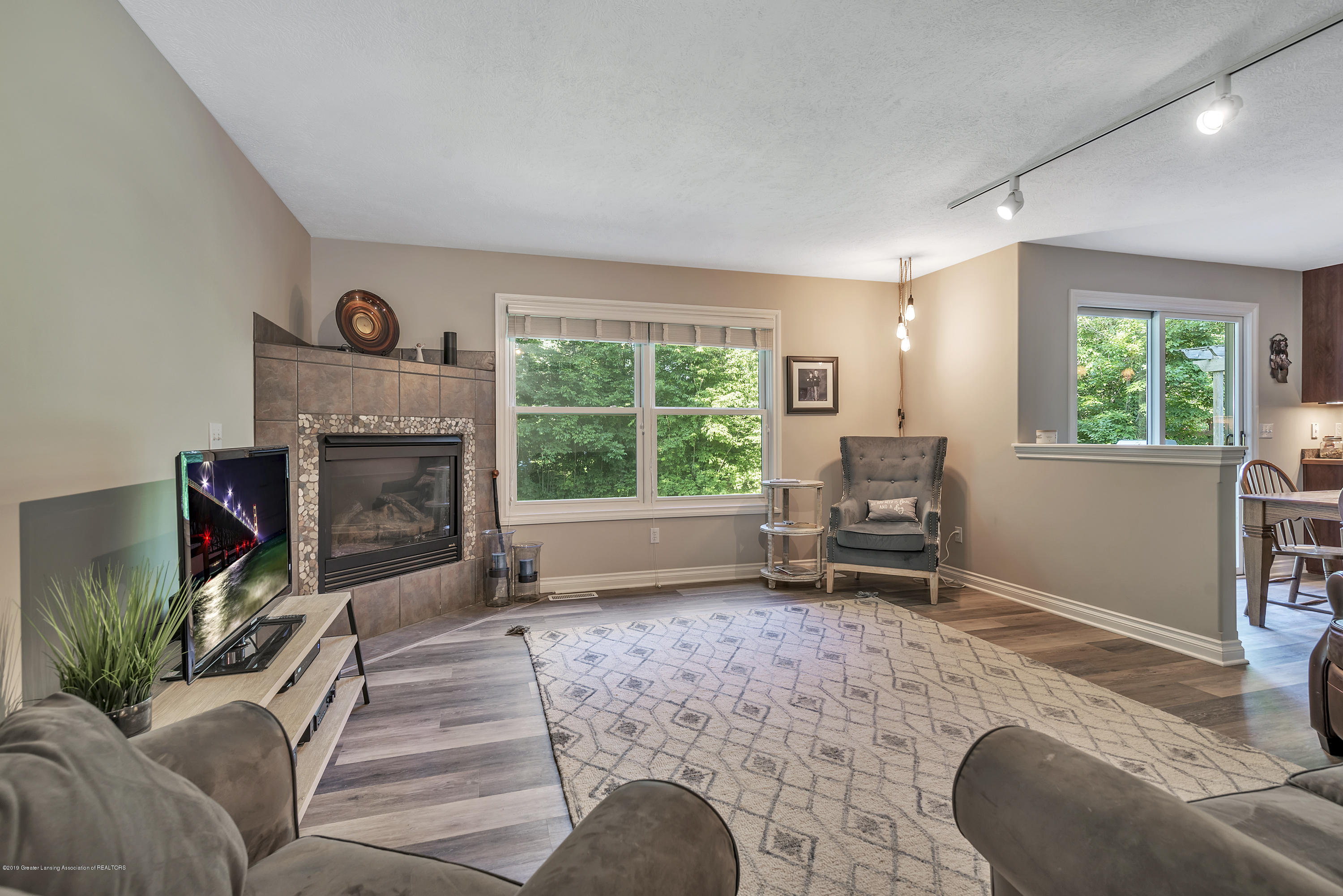 1058 Buckingham Rd - Great Room - 15