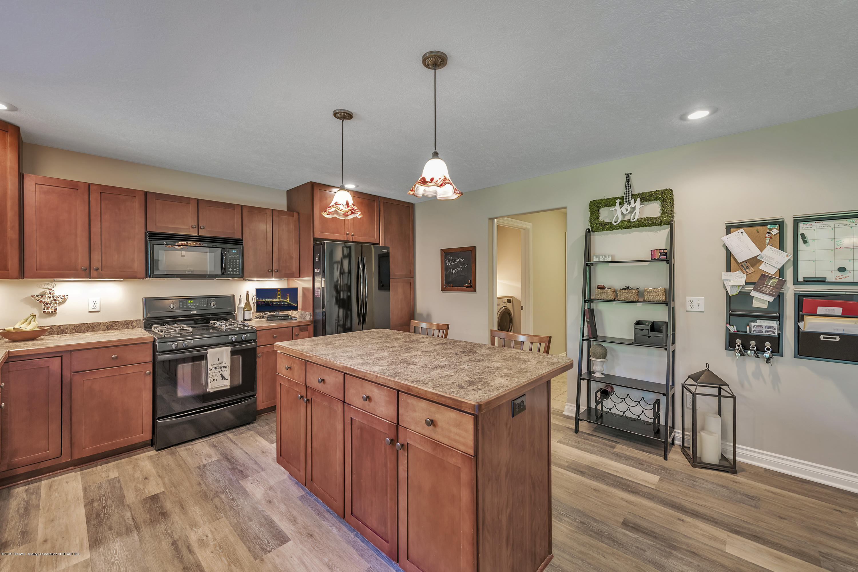 1058 Buckingham Rd - Kitchen - 21