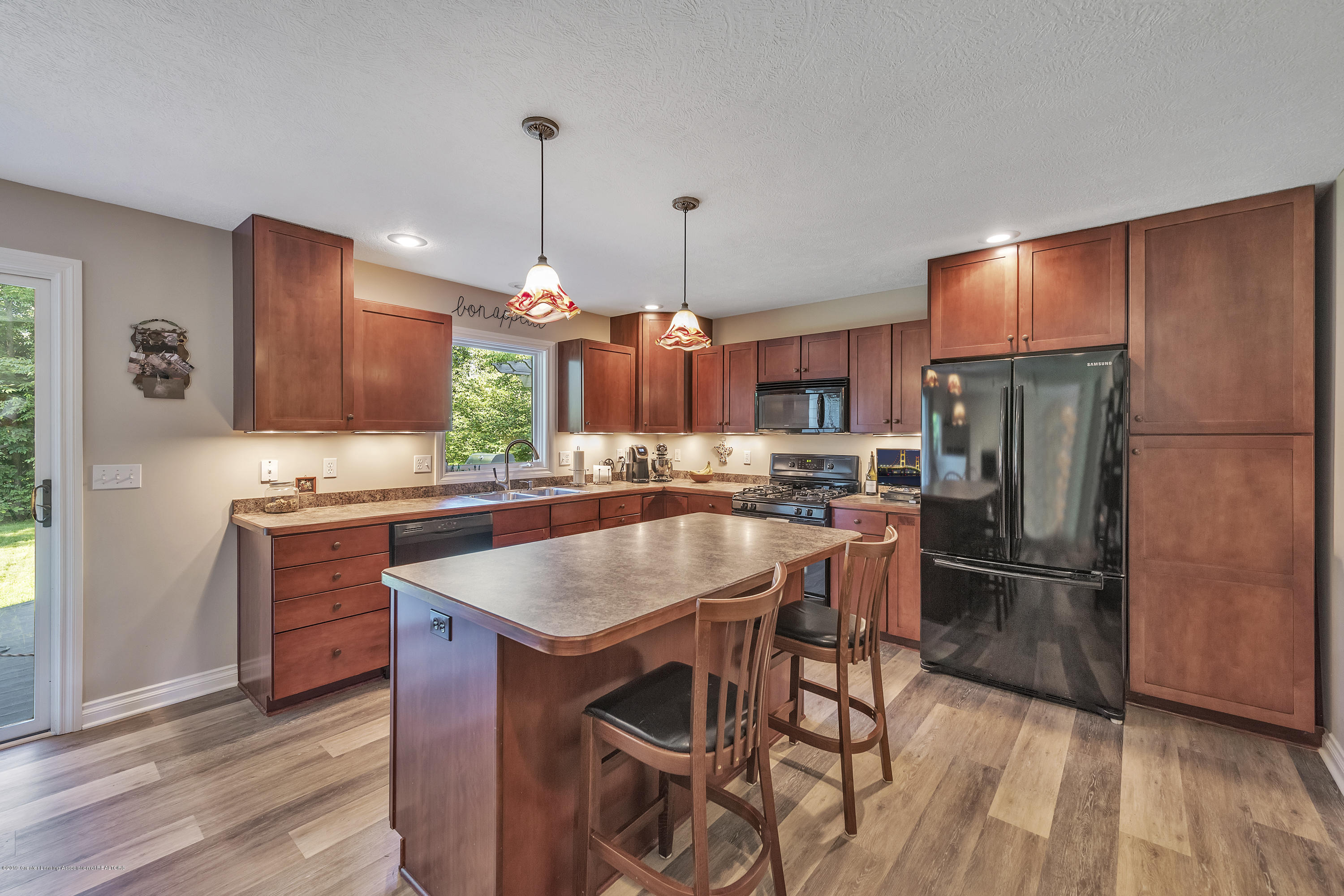 1058 Buckingham Rd - Kitchen - 22