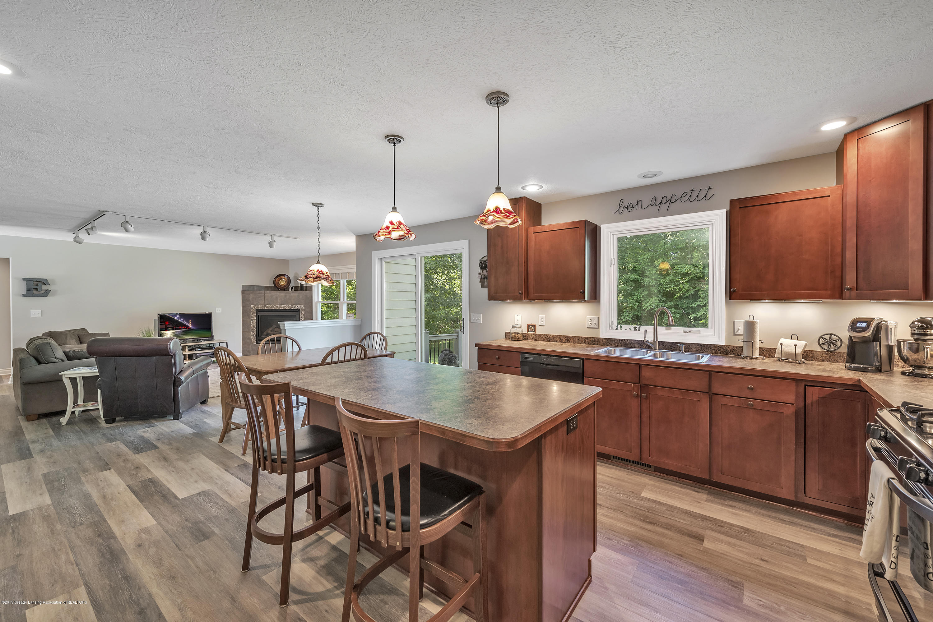 1058 Buckingham Rd - Kitchen - 23