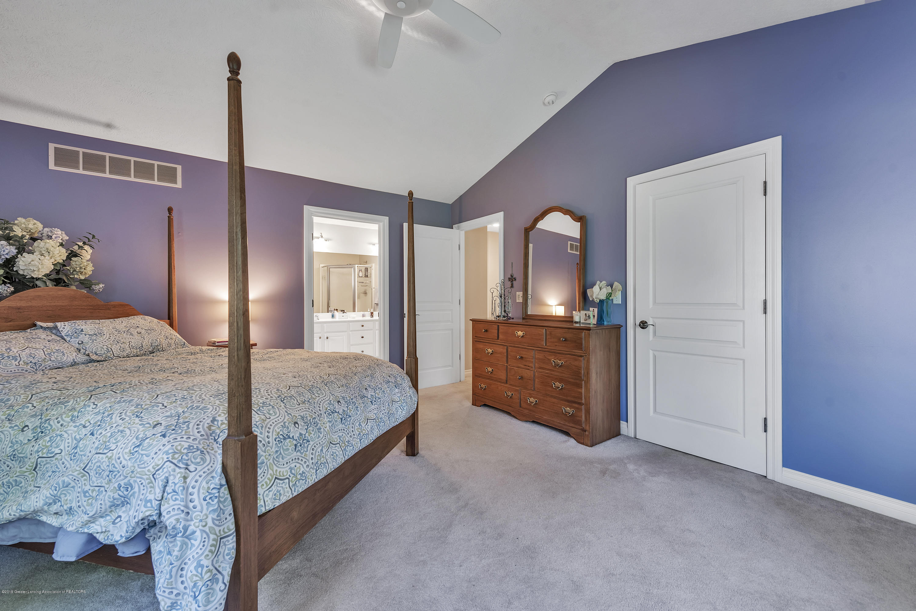 1058 Buckingham Rd - Master Bedroom - 29