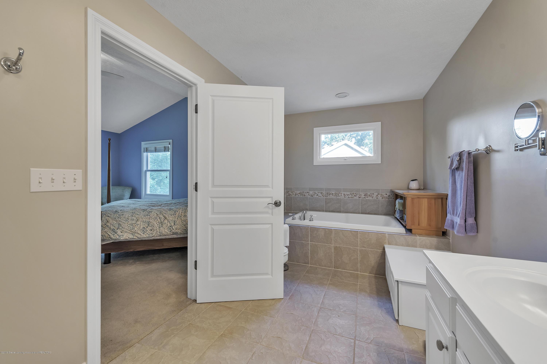 1058 Buckingham Rd - Master Bath - 31