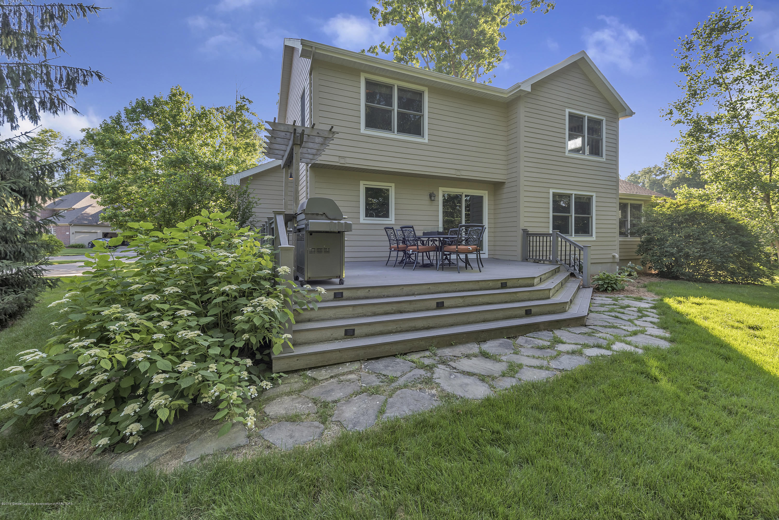 1058 Buckingham Rd - Deck and Patio - 41