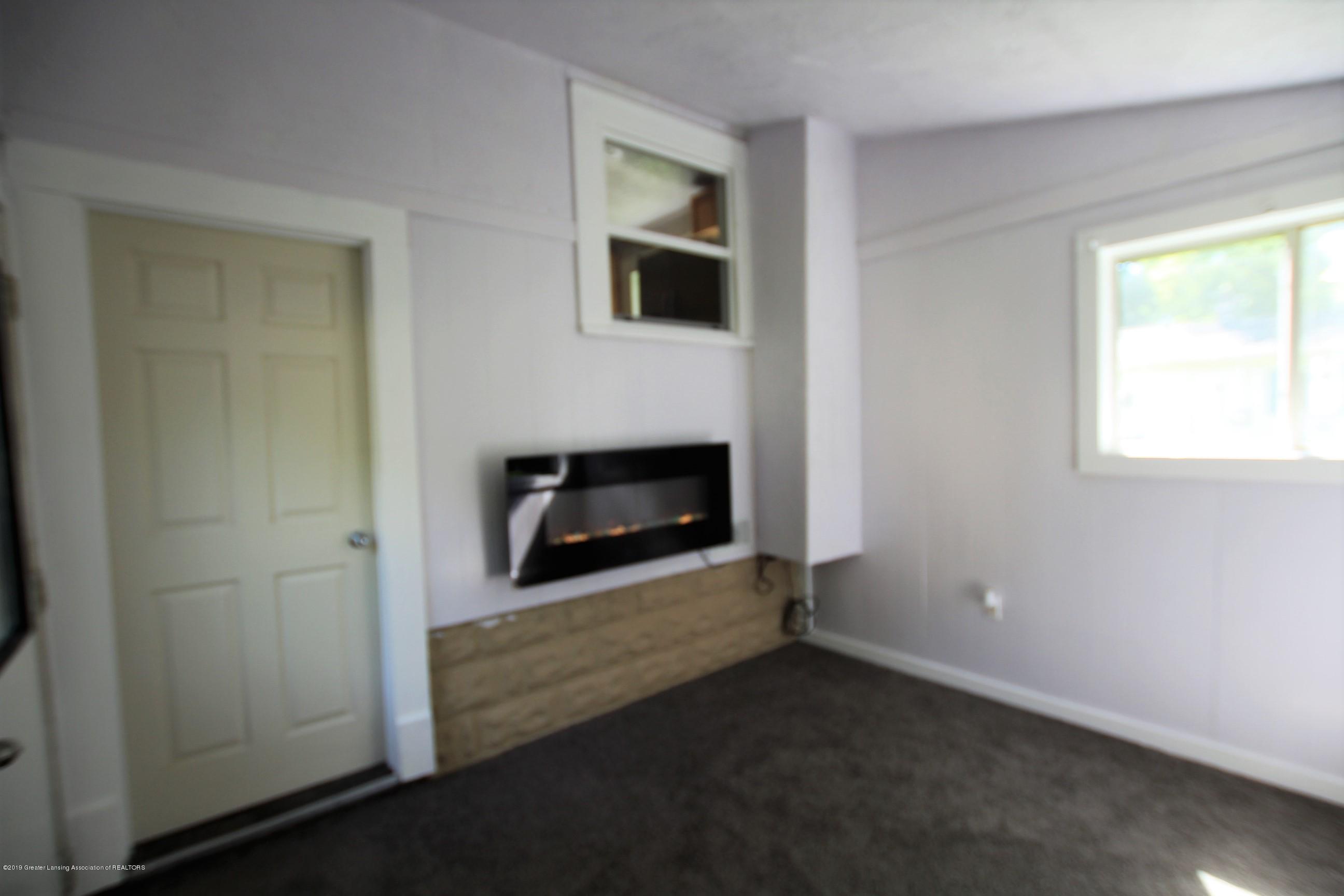 120 Astor Ave - Four Season Room - 22