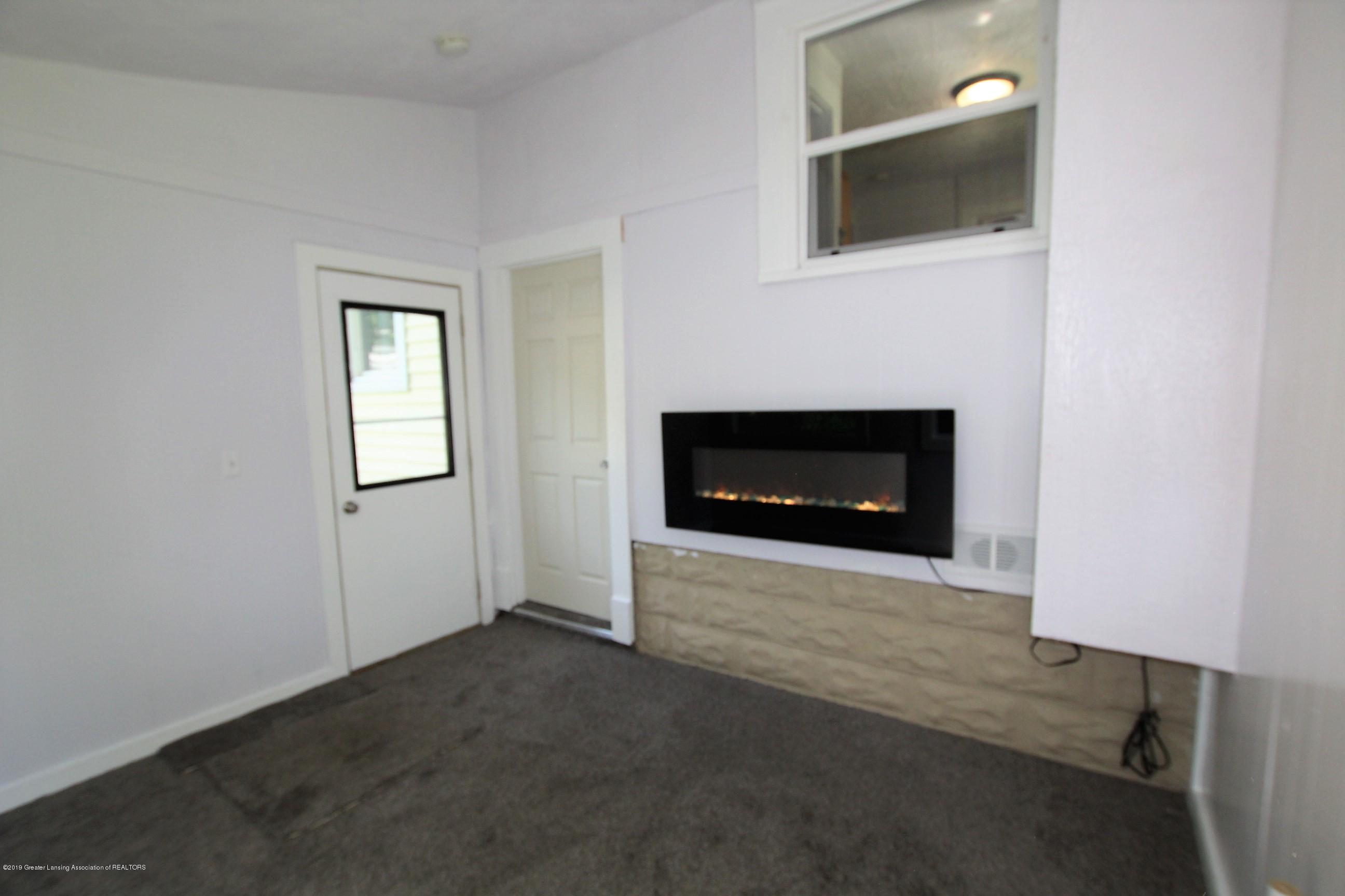120 Astor Ave - Four Season Room - 21