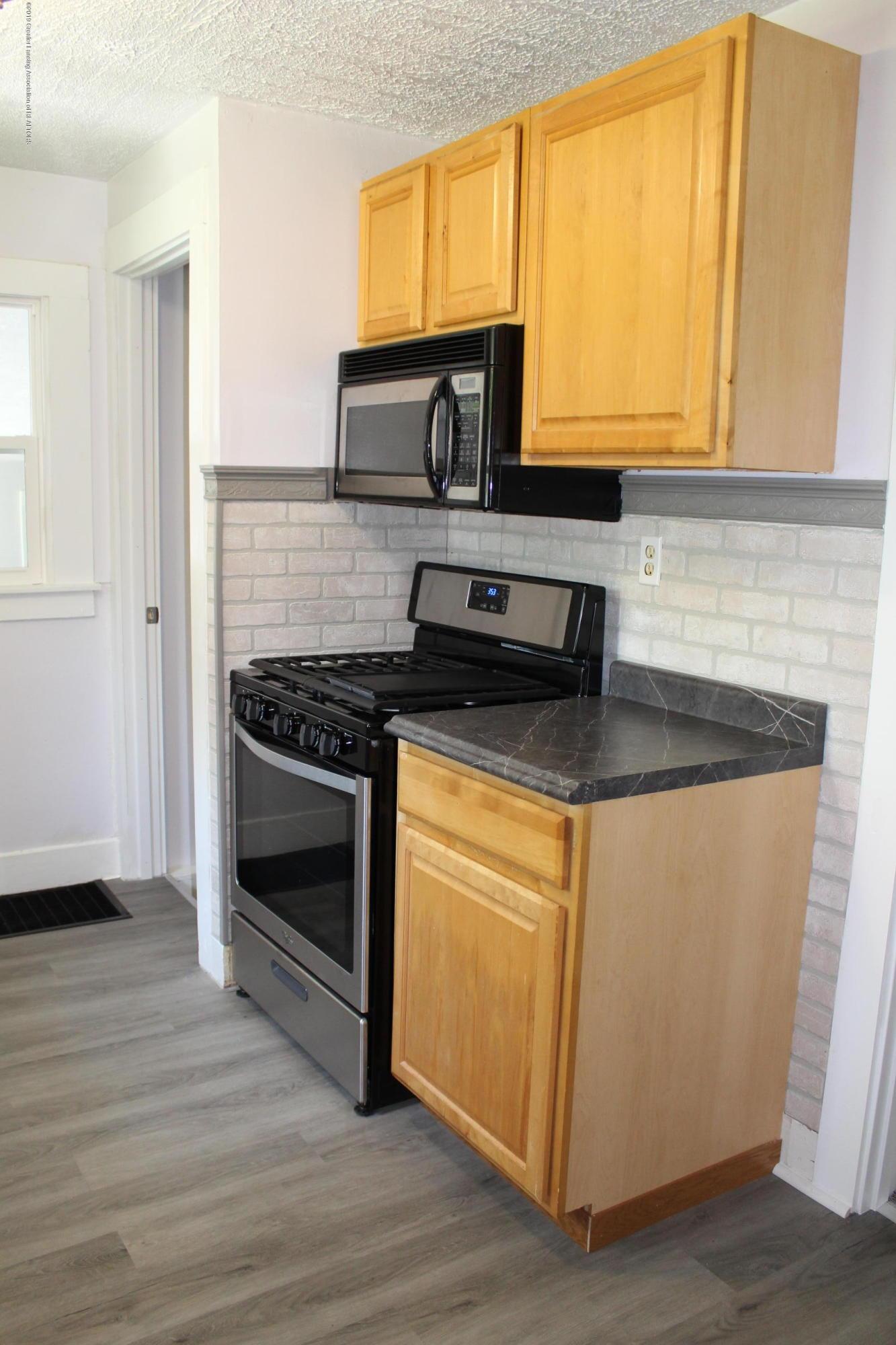 120 Astor Ave - Kitchen - 13
