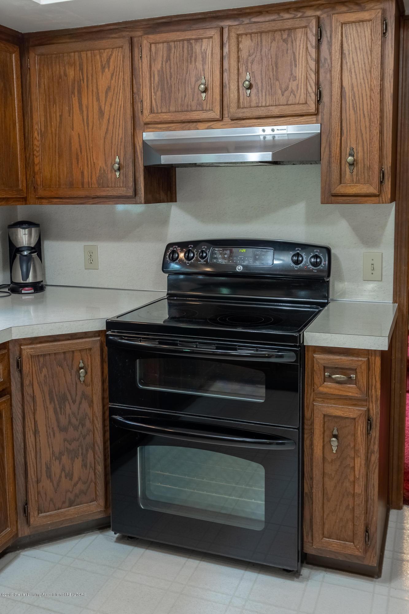 3901 Highwood Pl - Kitchen - 19