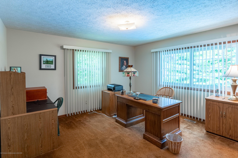 3901 Highwood Pl - Main Floor Office - 29