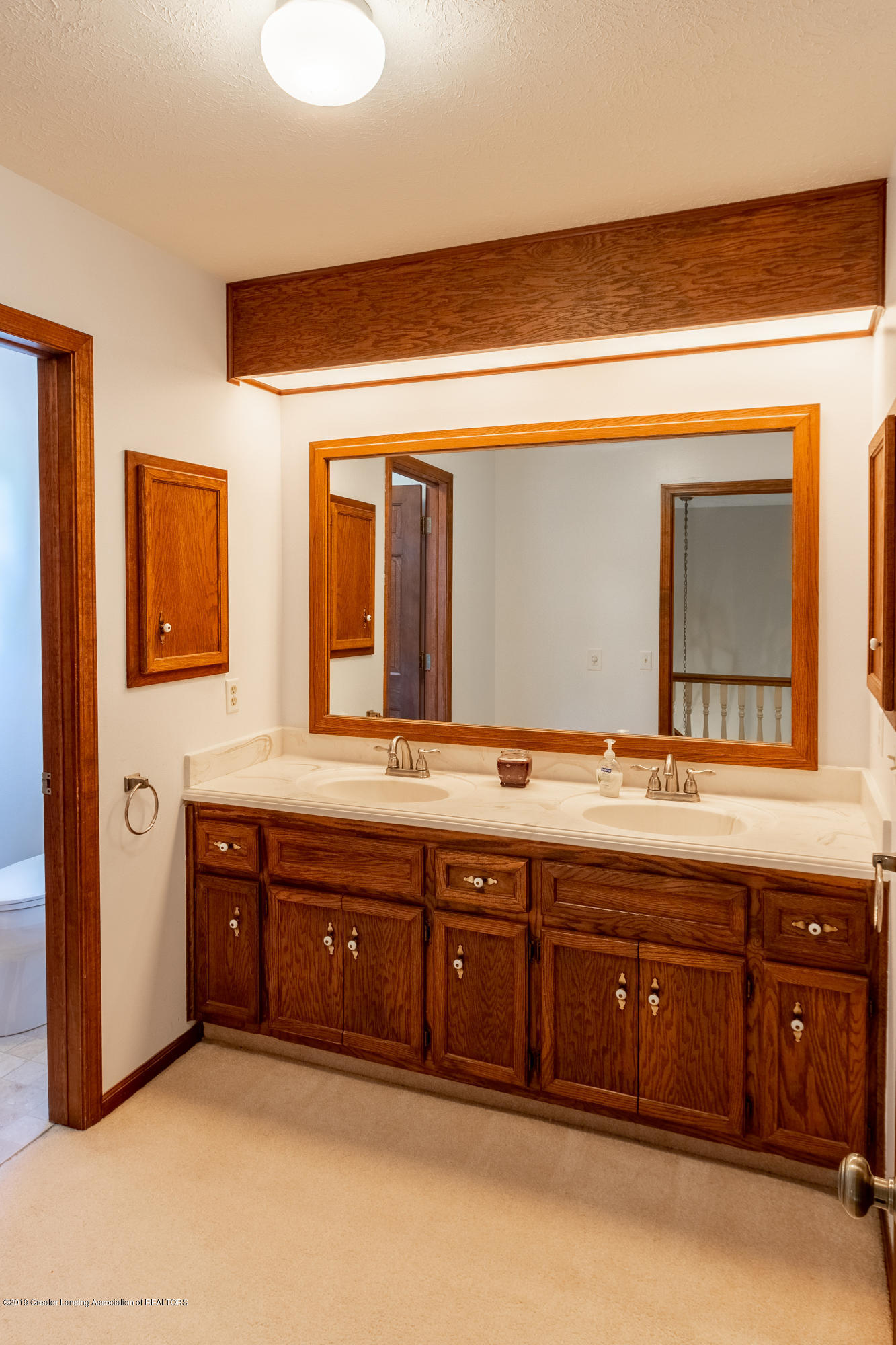 3901 Highwood Pl - Master Bath - 37