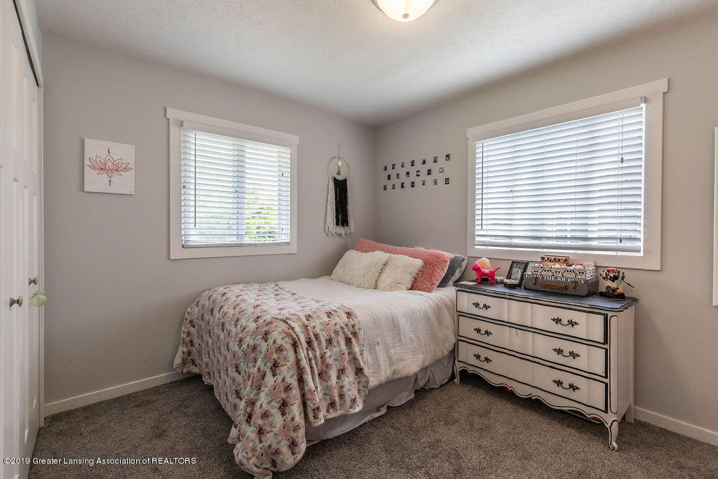 4602 N Smith Rd - smithbed1(1of1)[1] - 18