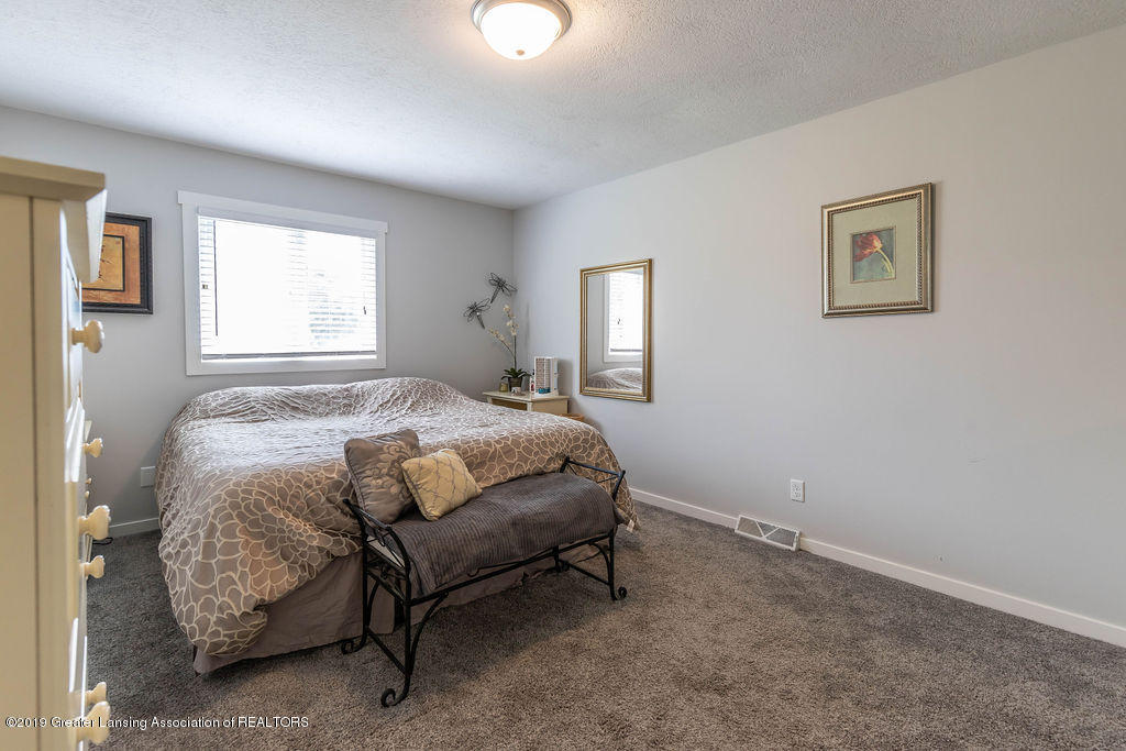 4602 N Smith Rd - smithbed2(1of1)[1] - 19