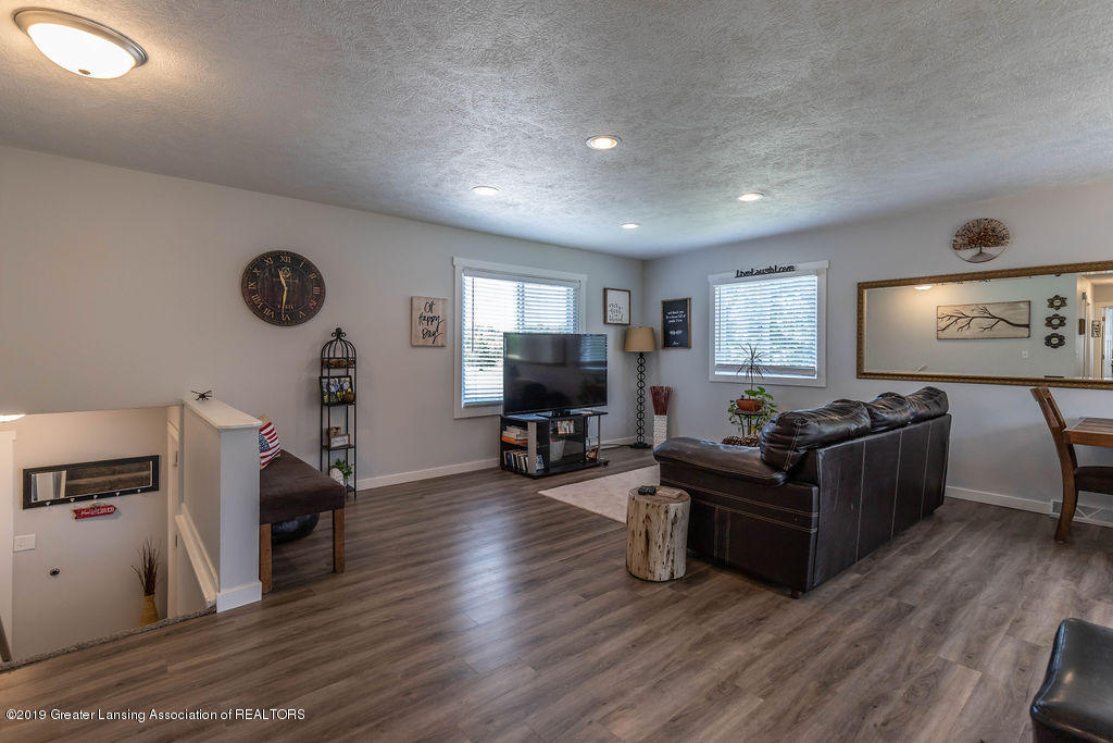 4602 N Smith Rd - smithliving(1of1)[1] - 15