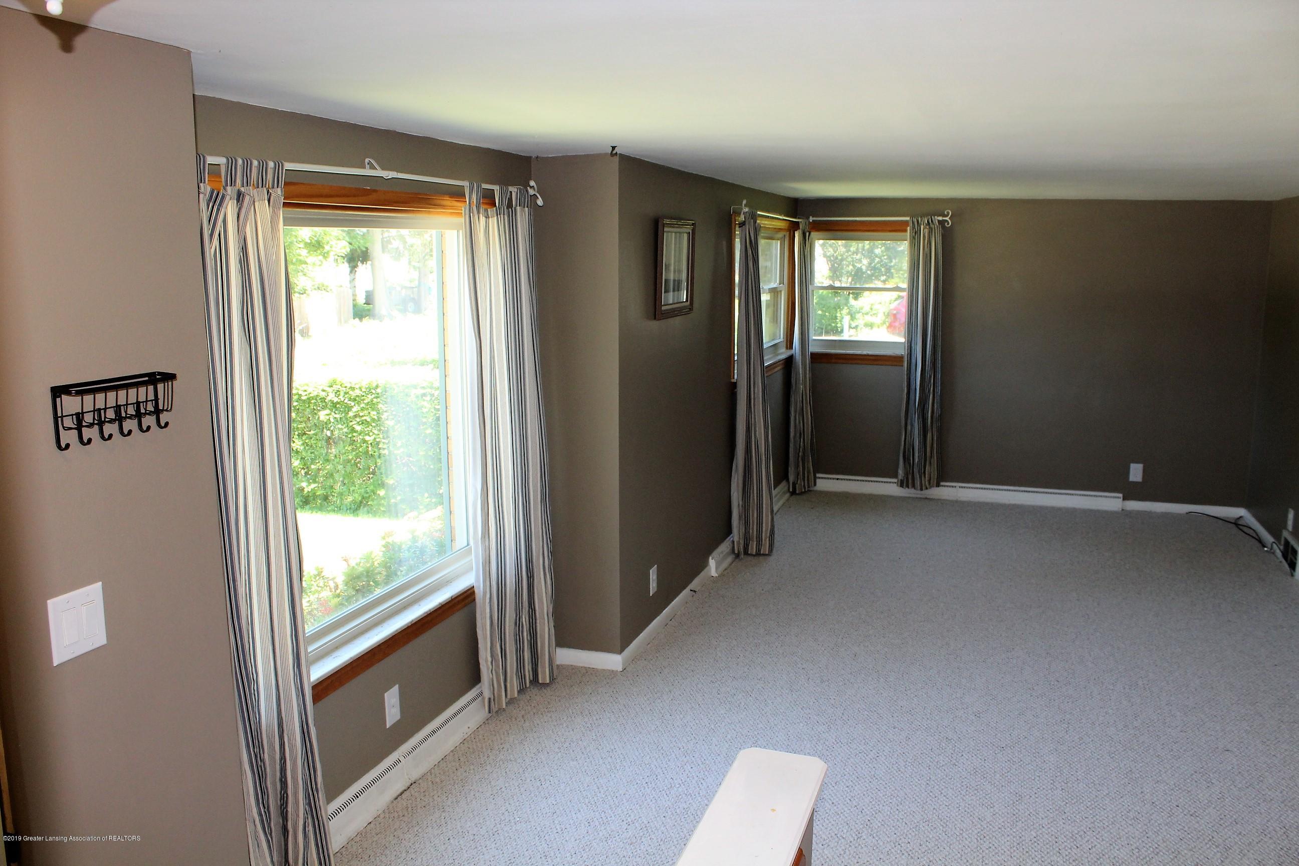415 Park St - Living Room - 5