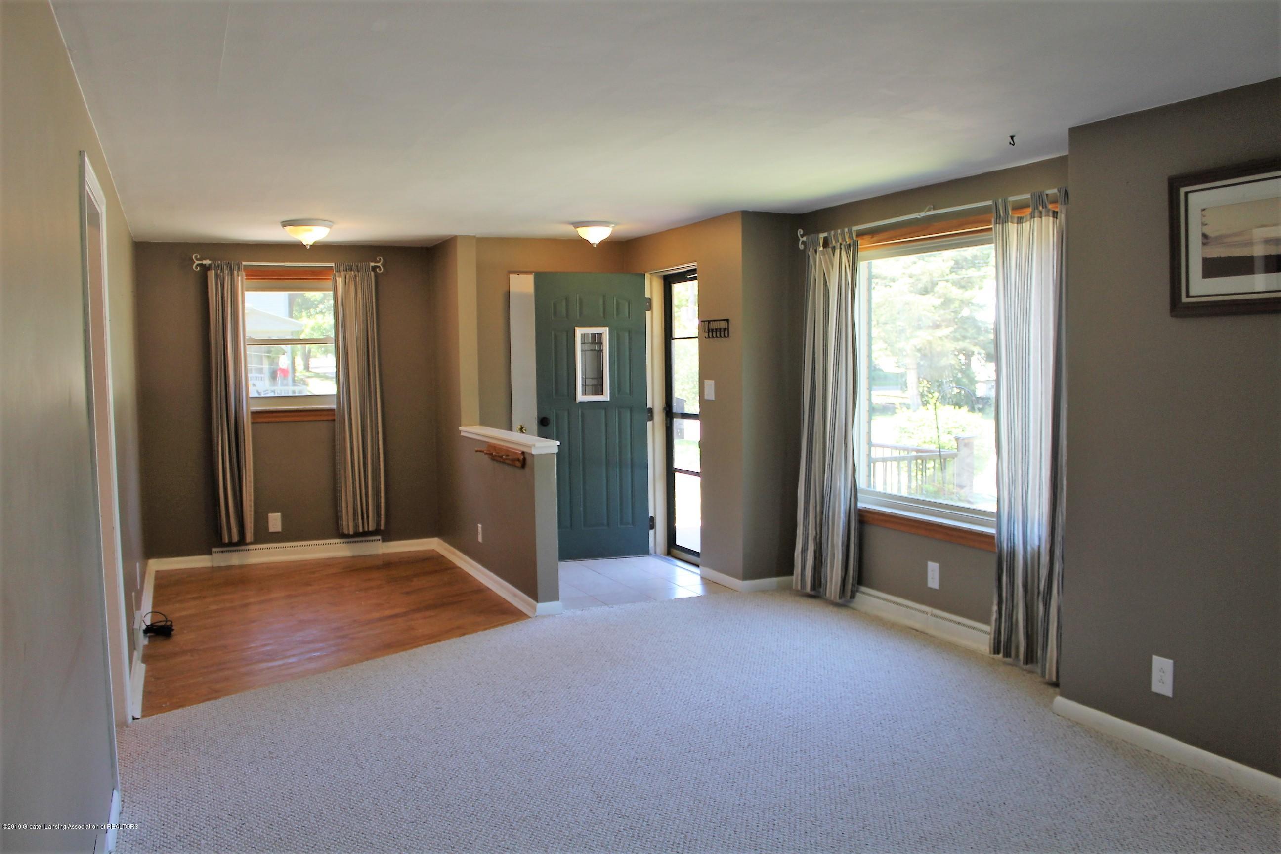 415 Park St - Living Room - 4