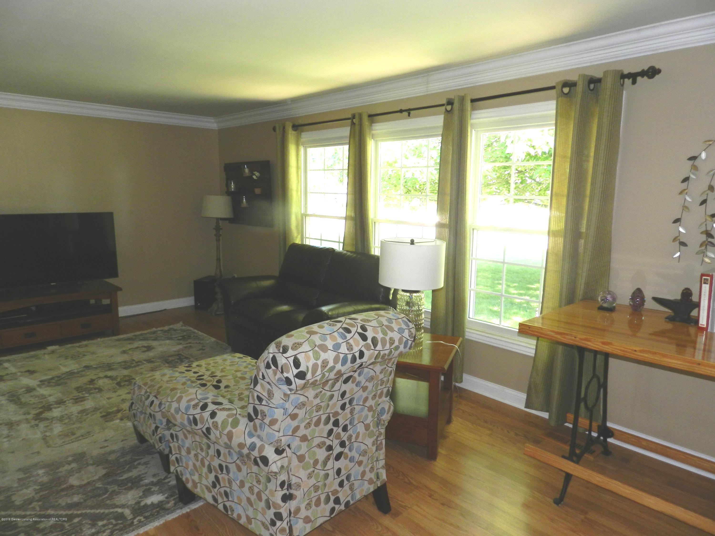 6607 Shiloh Way - Living Room - 8