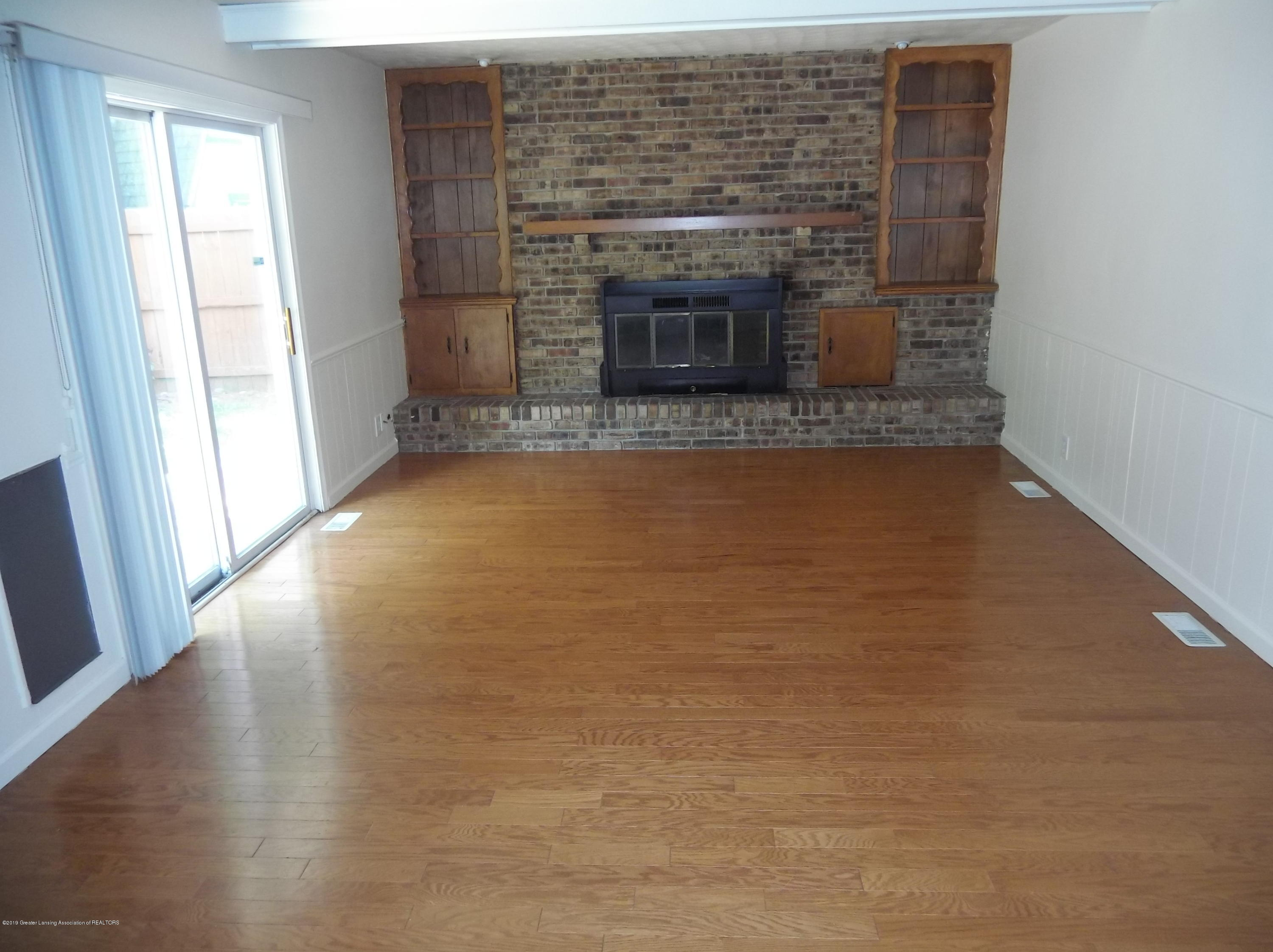 2971 Briarcliff Dr - Fireplace - 10