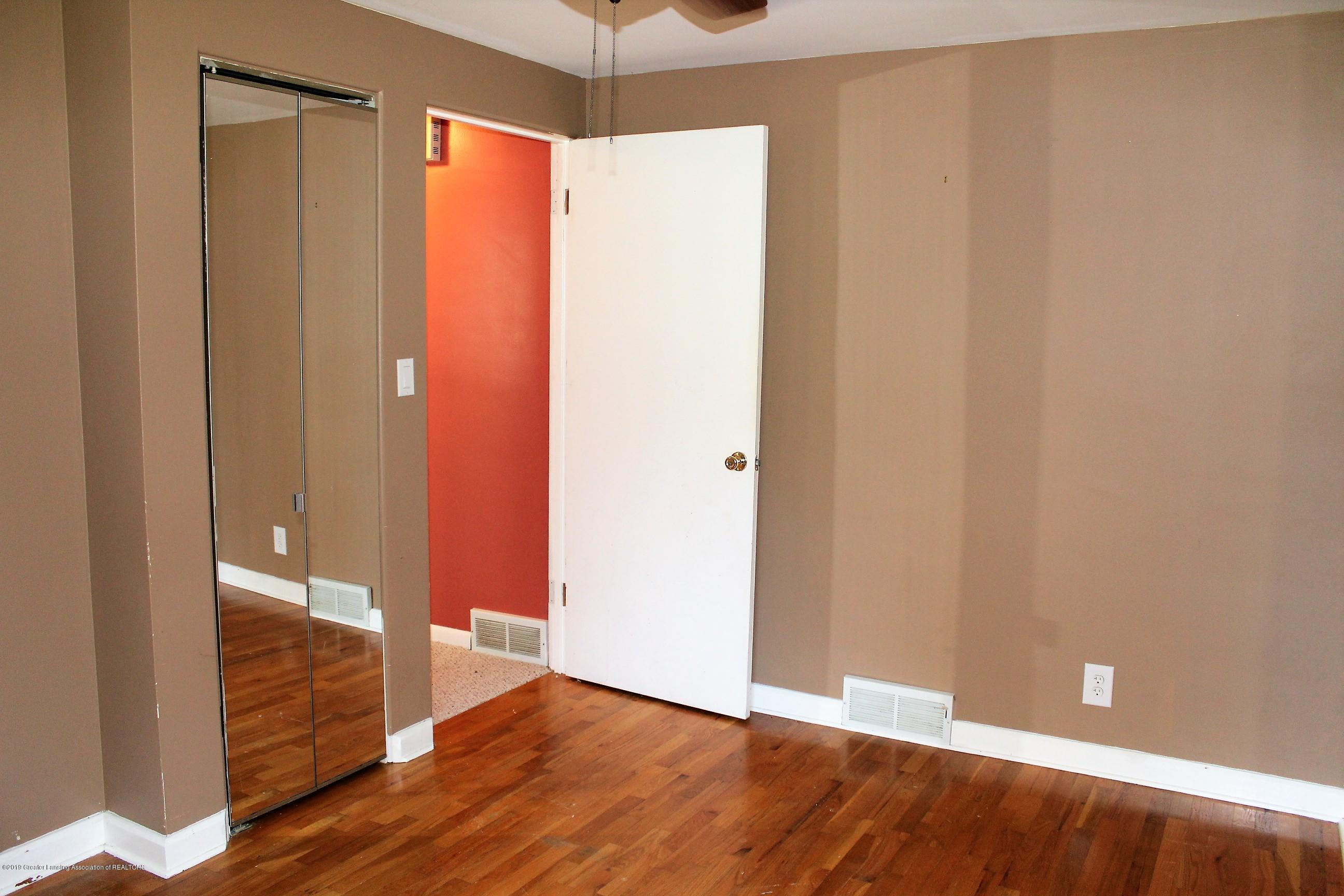 415 Park St - Master Bedroom - 12