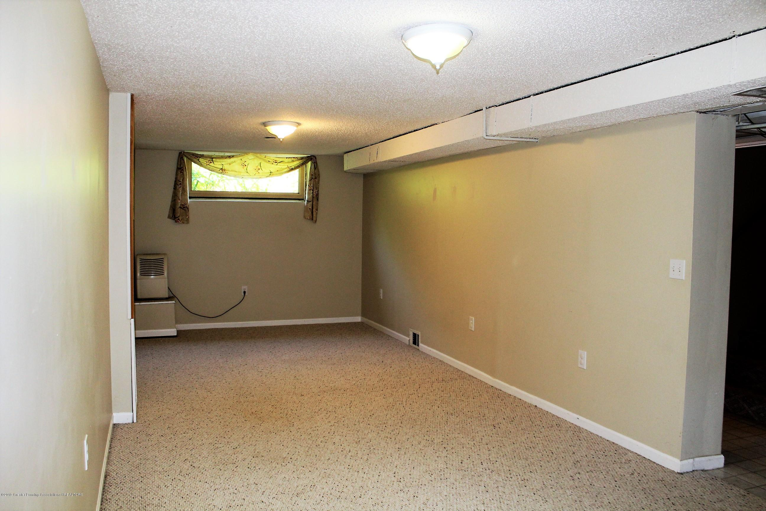 415 Park St - Rec Room - 22
