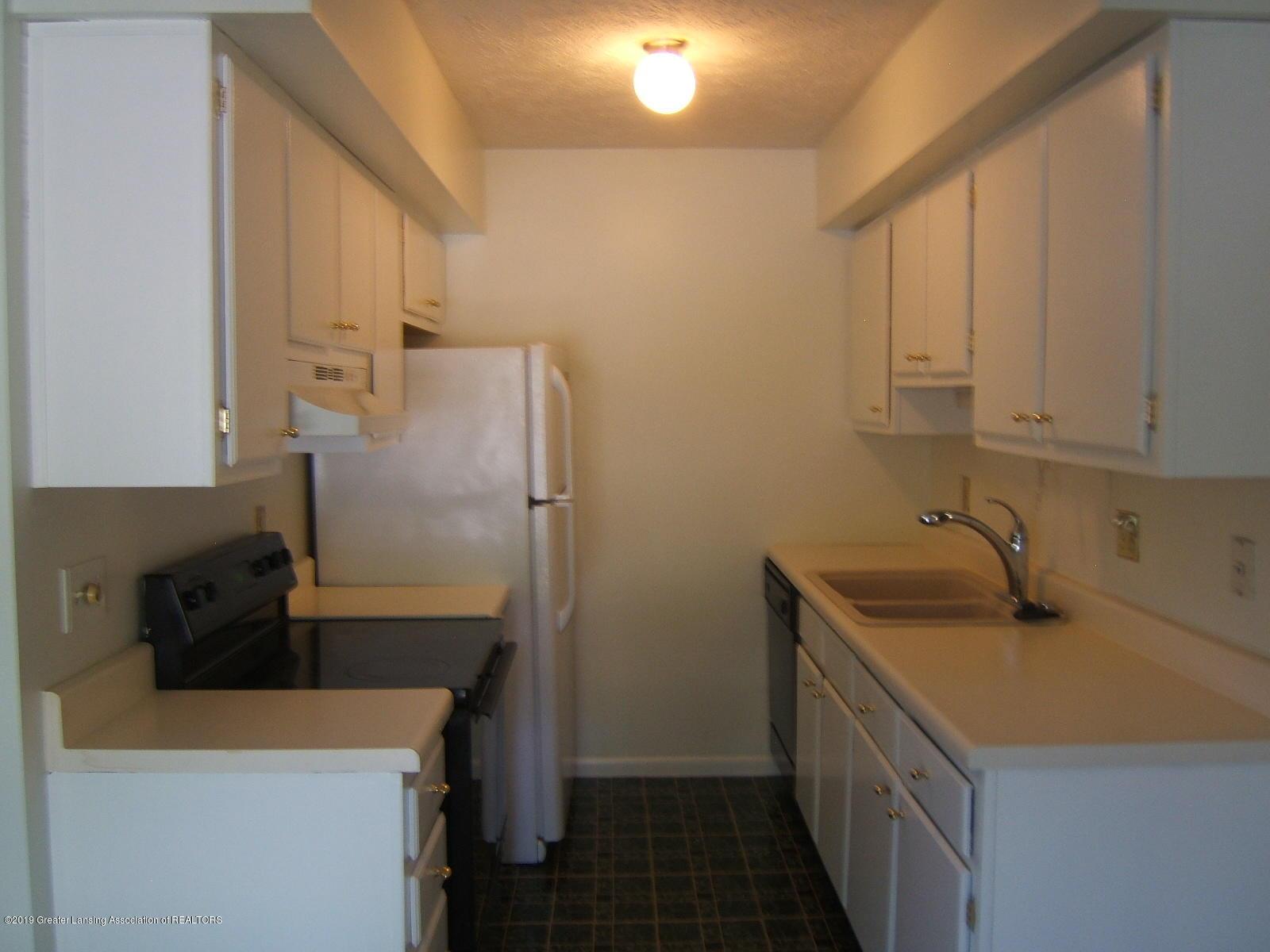 2024 Hamilton Rd 2 - Kitchen - 4
