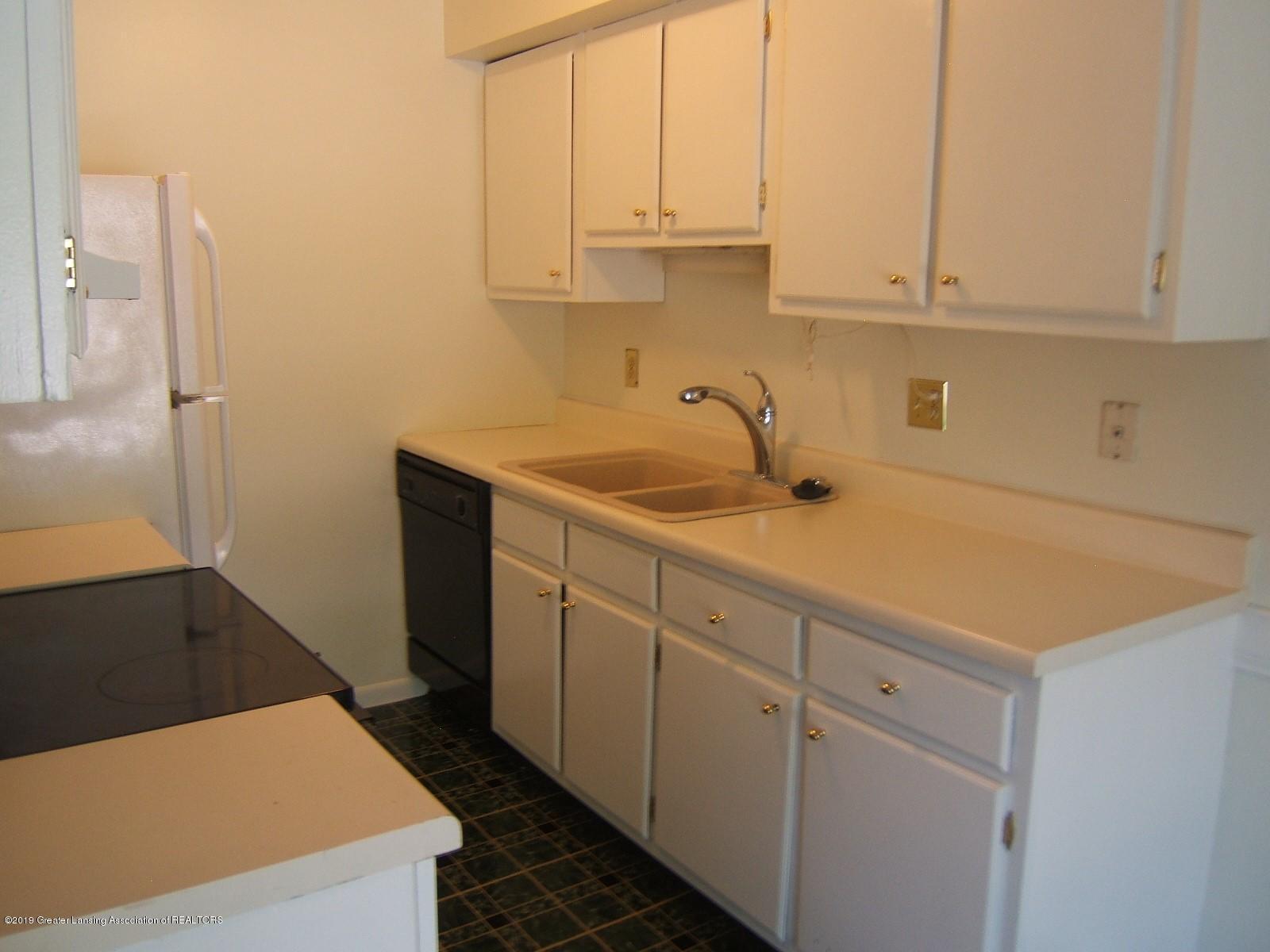 2024 Hamilton Rd 2 - Kitchen - 5