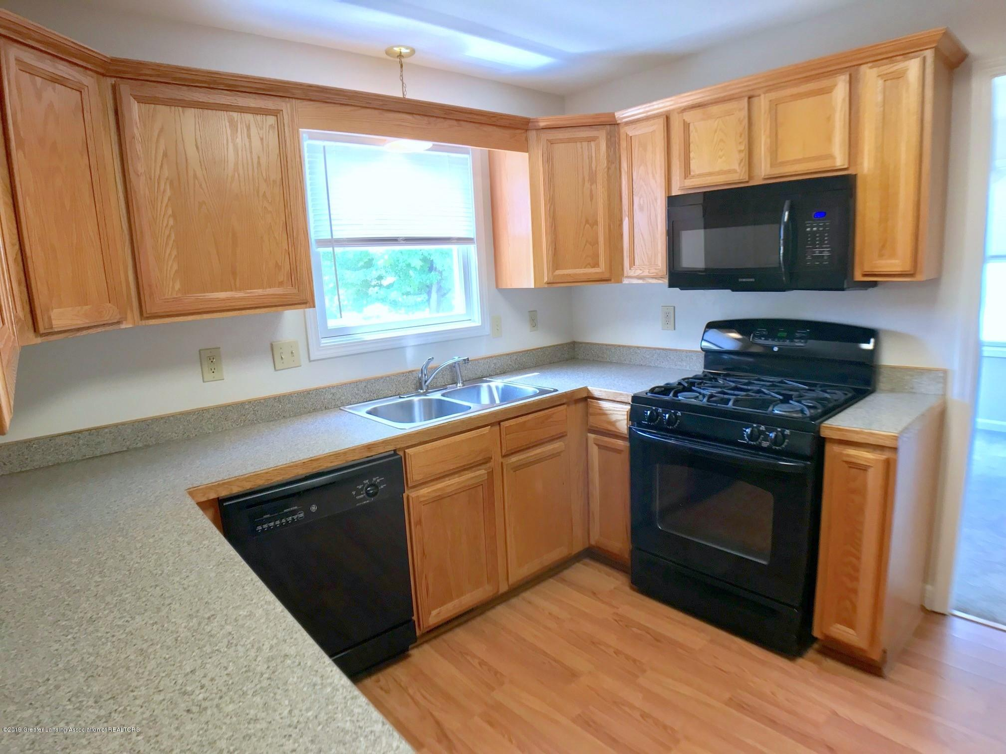 5703 Piper Ave - Kitchen - 11