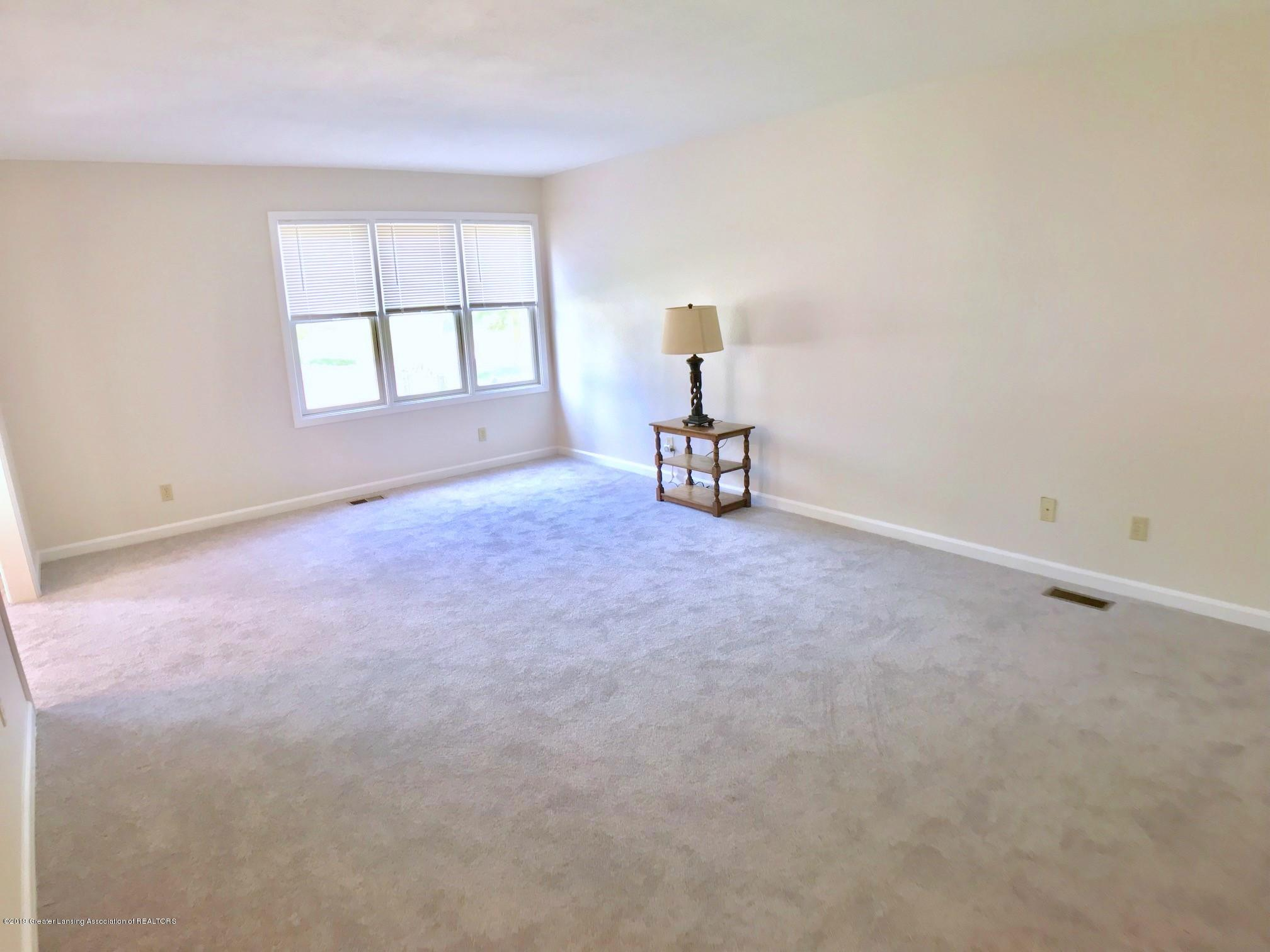 5703 Piper Ave - Living Room - 6